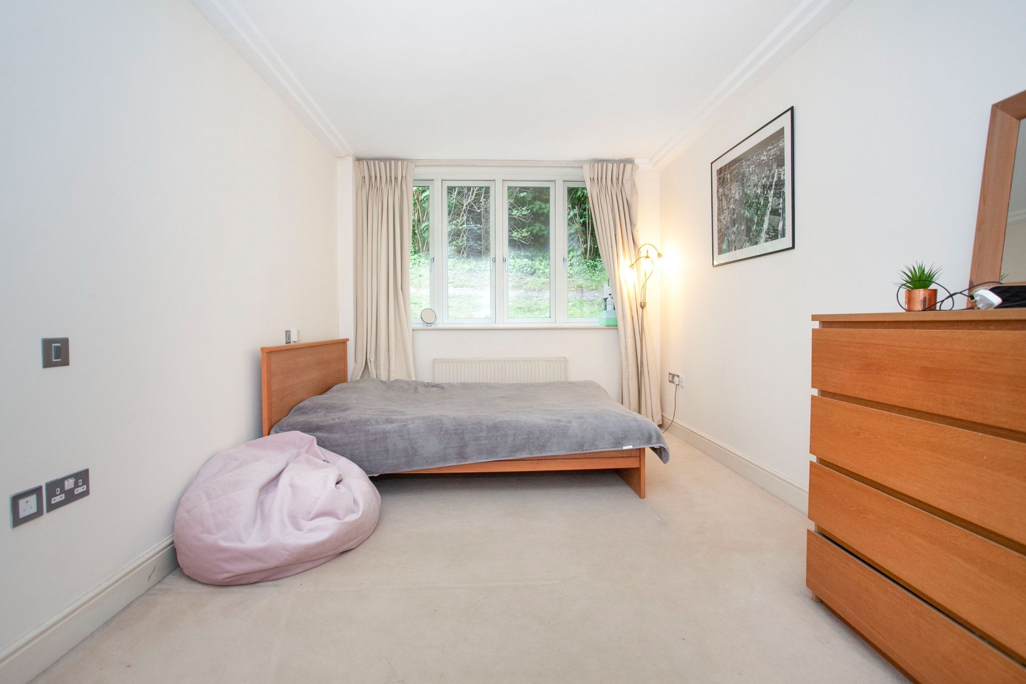 3 bedroom apartment flat/apartment For Sale in London - Photograph 4