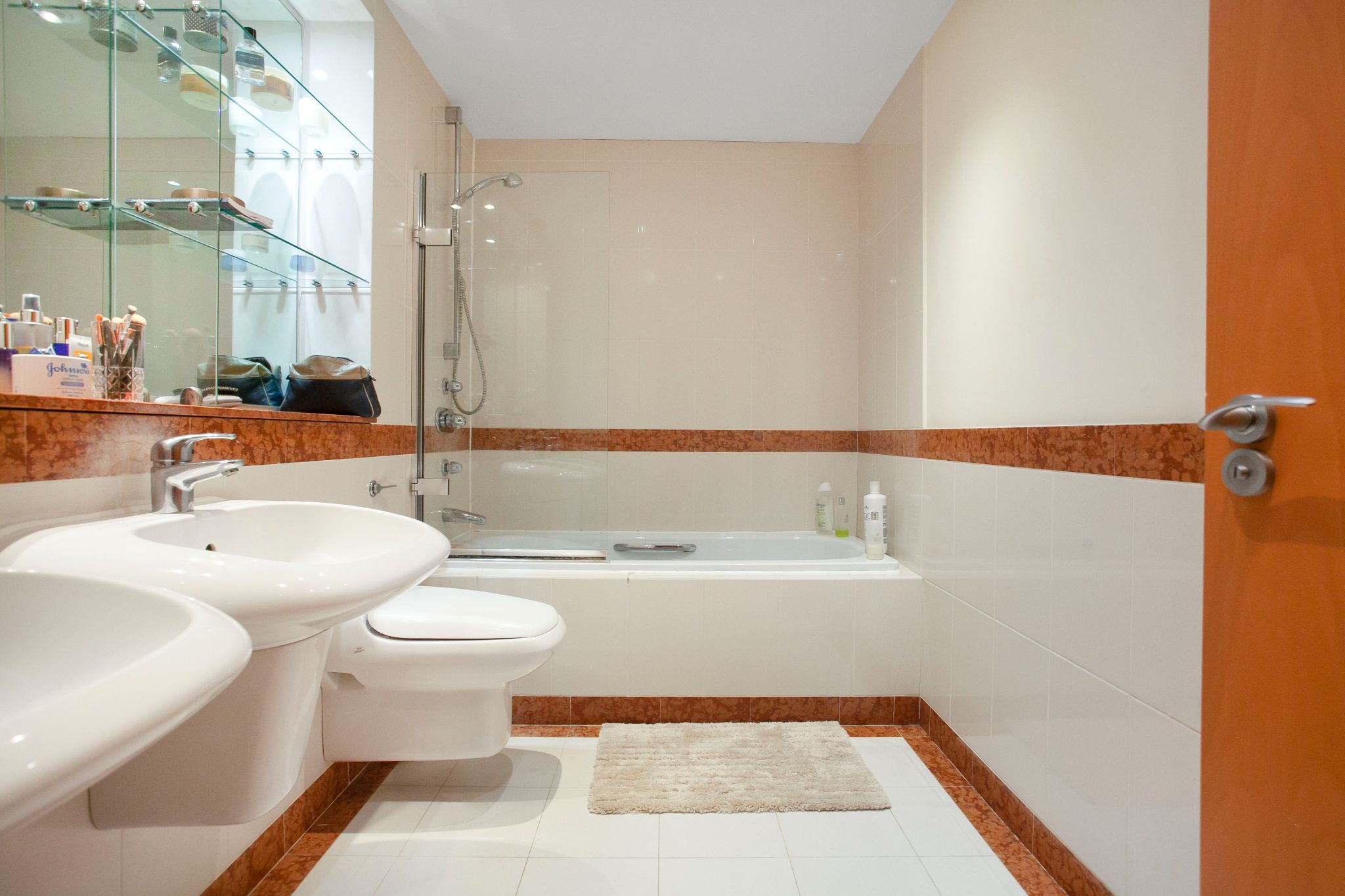 3 bedroom apartment flat/apartment For Sale in London - Photograph 7