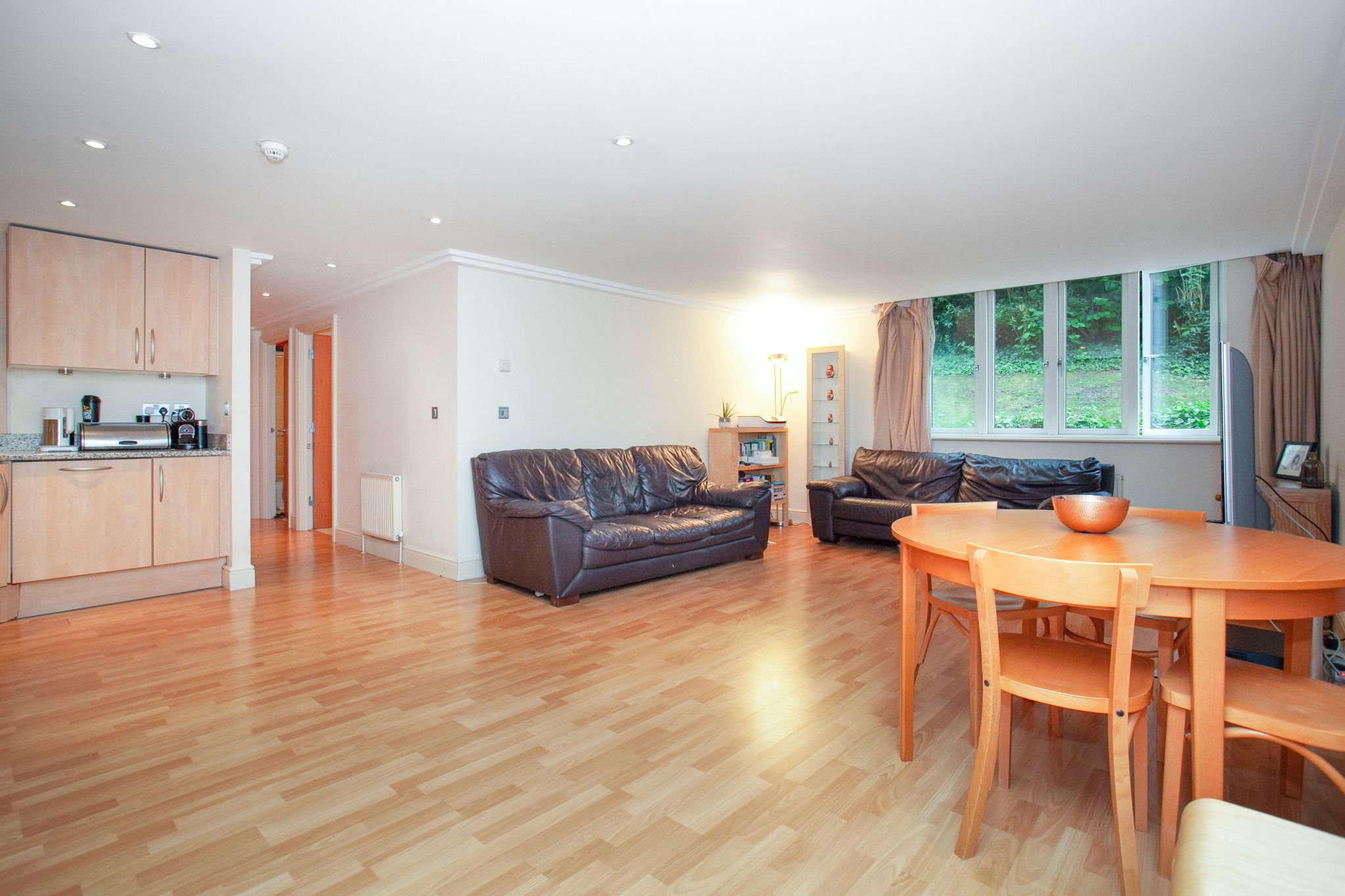 3 bedroom apartment flat/apartment For Sale in London - Photograph 10