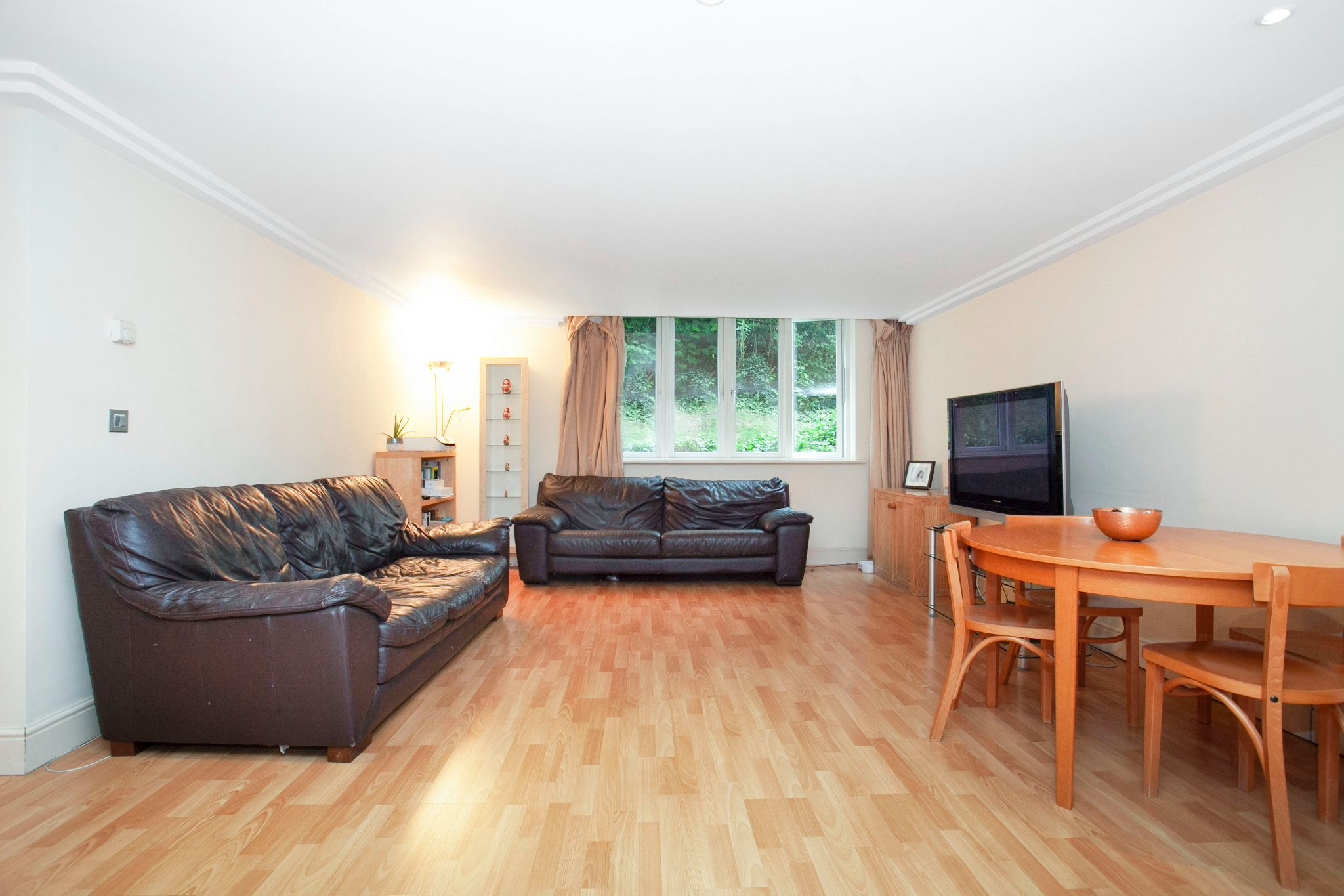 3 bedroom apartment flat/apartment For Sale in London - Photograph 11