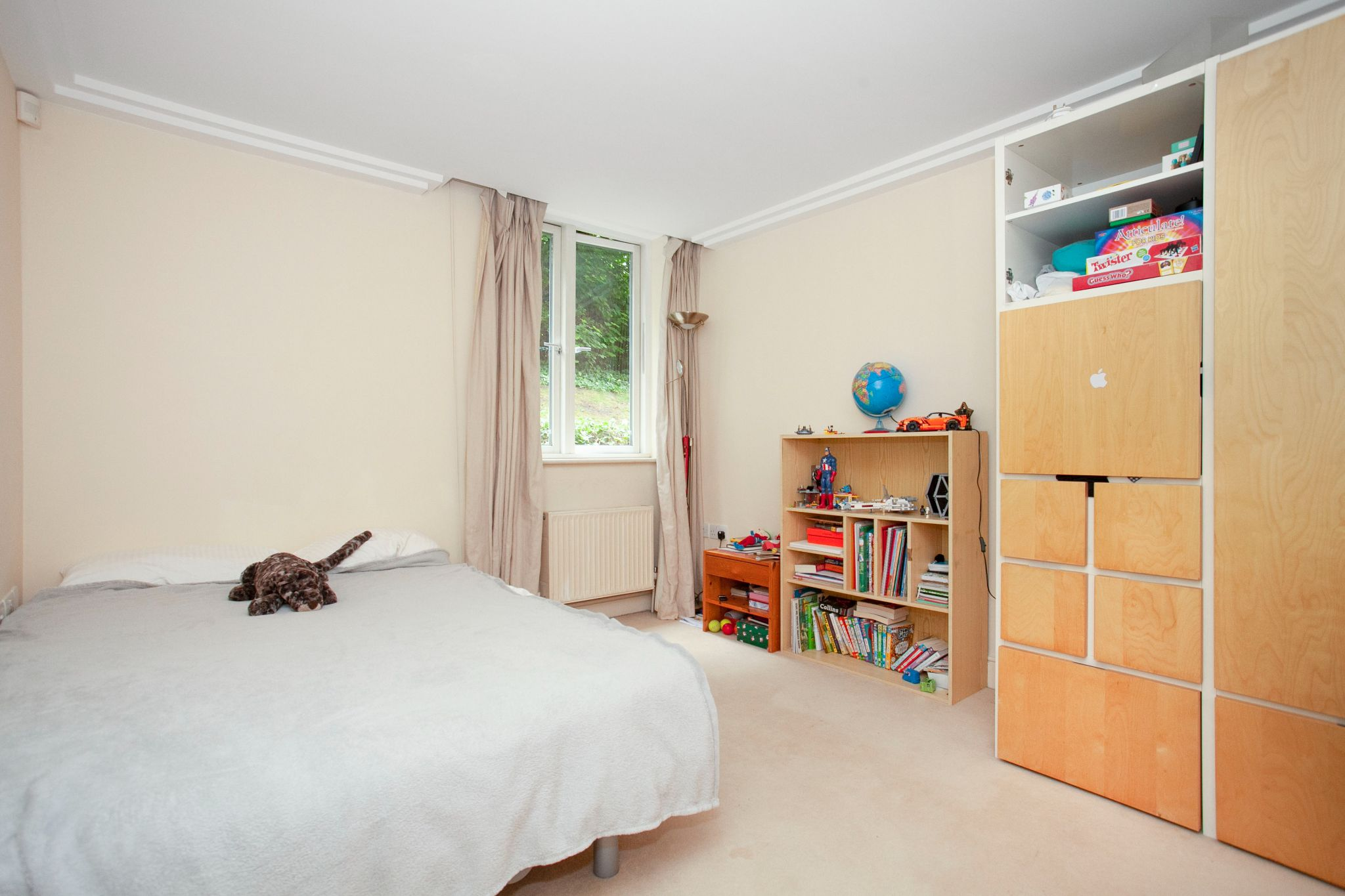 3 bedroom apartment flat/apartment For Sale in London - Photograph 6