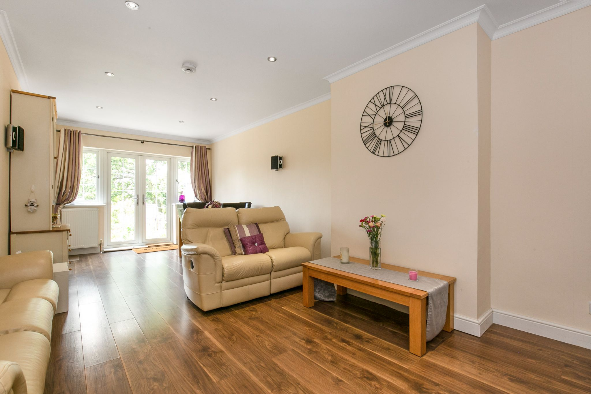 4 bedroom semi-detached bungalow Sale Agreed in Potters Bar - Photograph 5