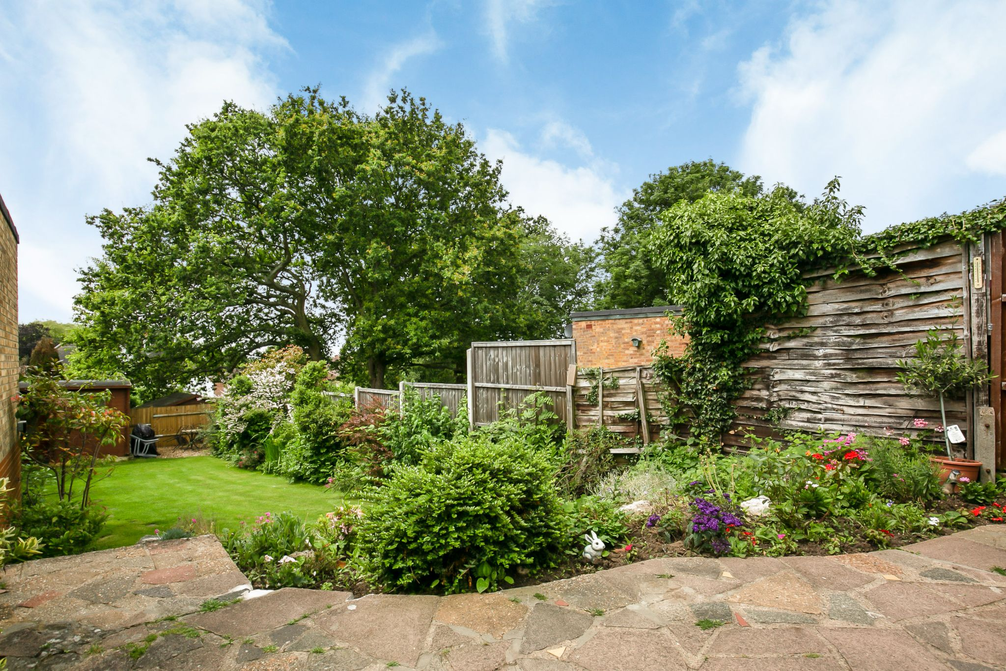 4 bedroom semi-detached bungalow Sale Agreed in Potters Bar - Photograph 22