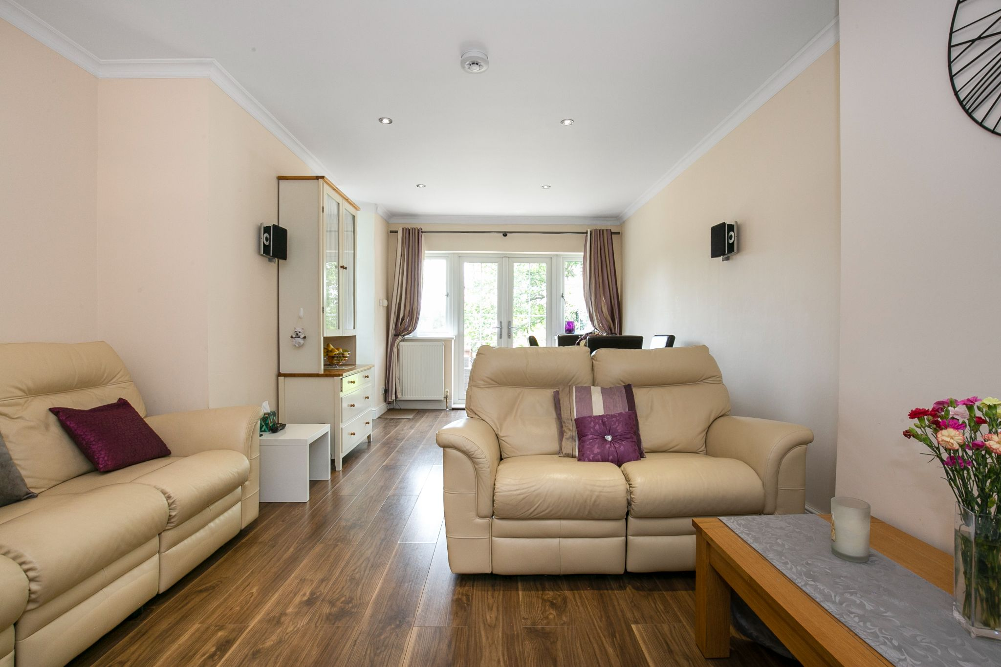 4 bedroom semi-detached bungalow Sale Agreed in Potters Bar - Photograph 6