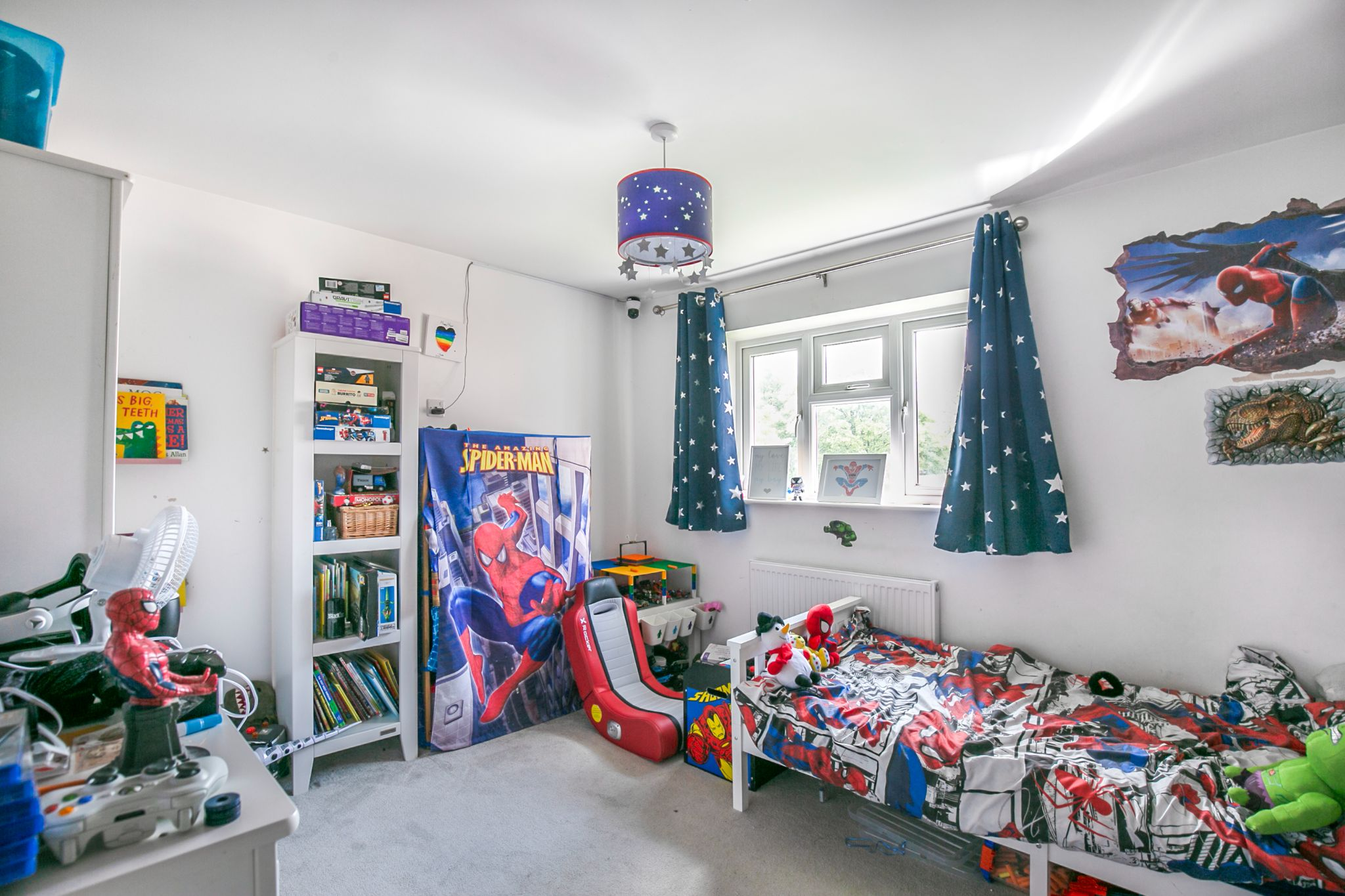 3 bedroom mid terraced house For Sale in Hatfield - Photograph 10