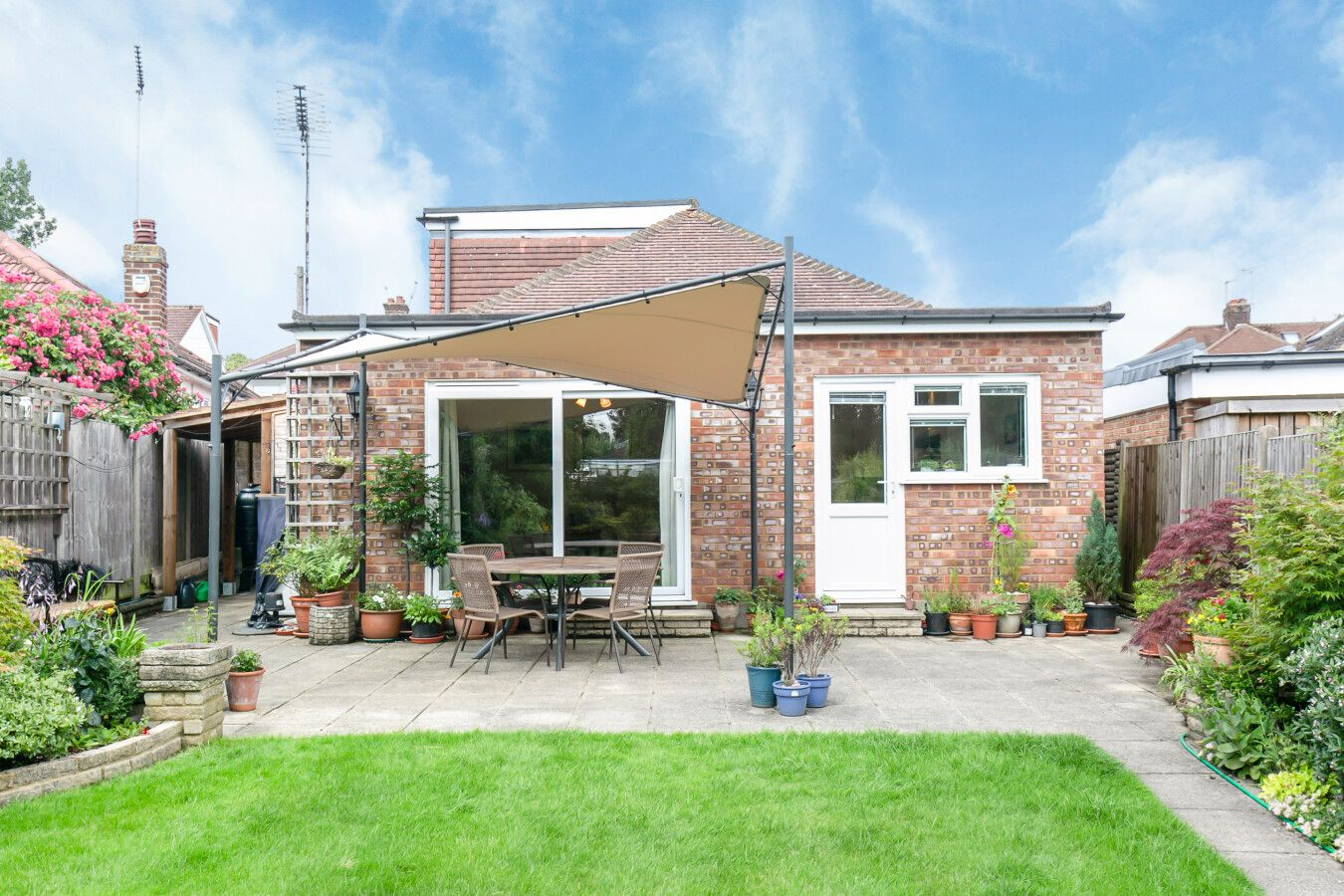 3 bedroom detached bungalow Sale Agreed in Potters Bar - Photograph 26