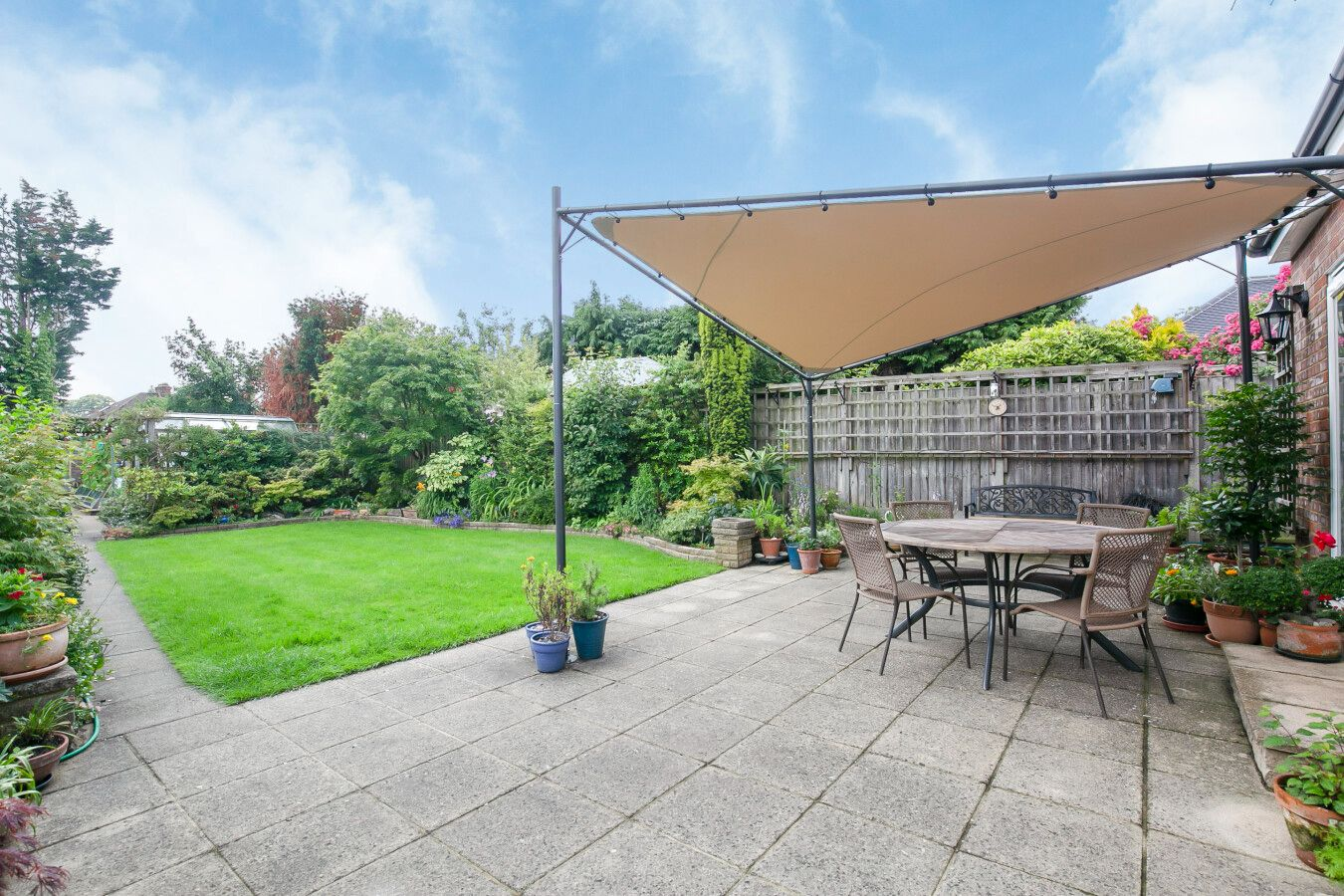 3 bedroom detached bungalow Sale Agreed in Potters Bar - Photograph 27