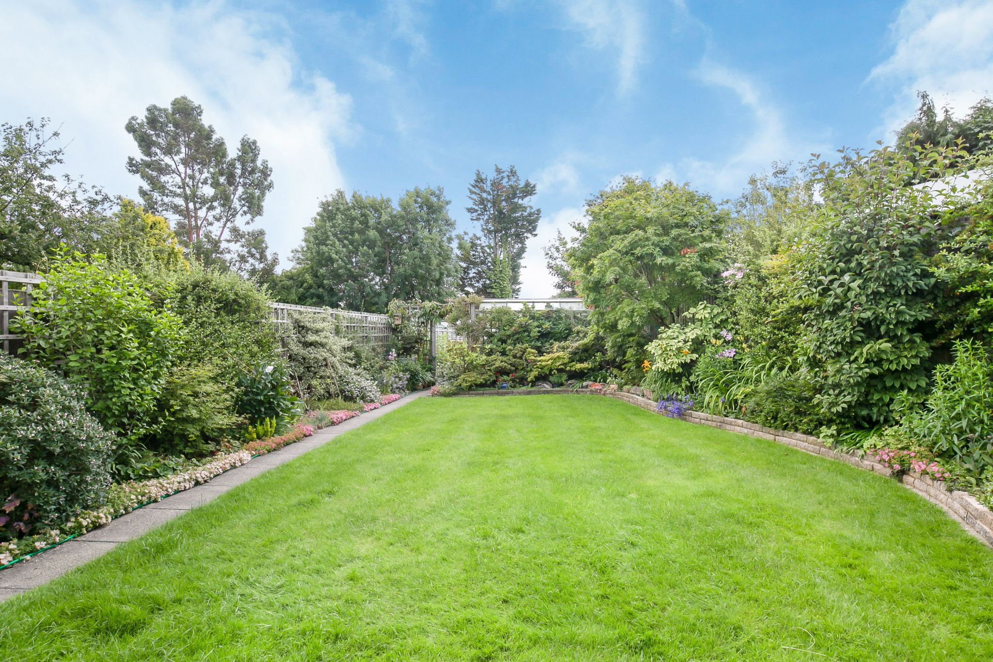 3 bedroom detached bungalow Sale Agreed in Potters Bar - Photograph 25