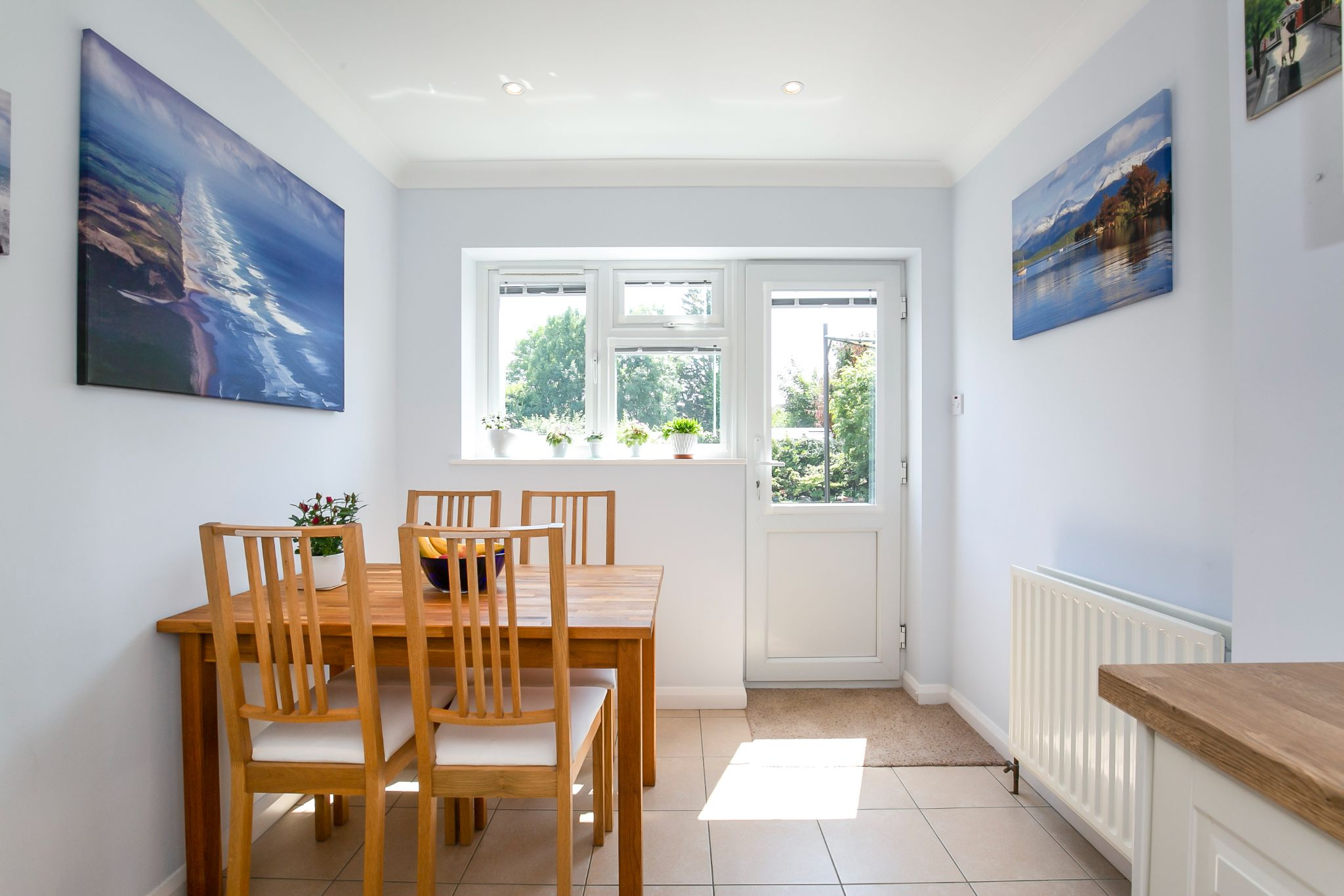 3 bedroom detached bungalow Sale Agreed in Potters Bar - Photograph 8
