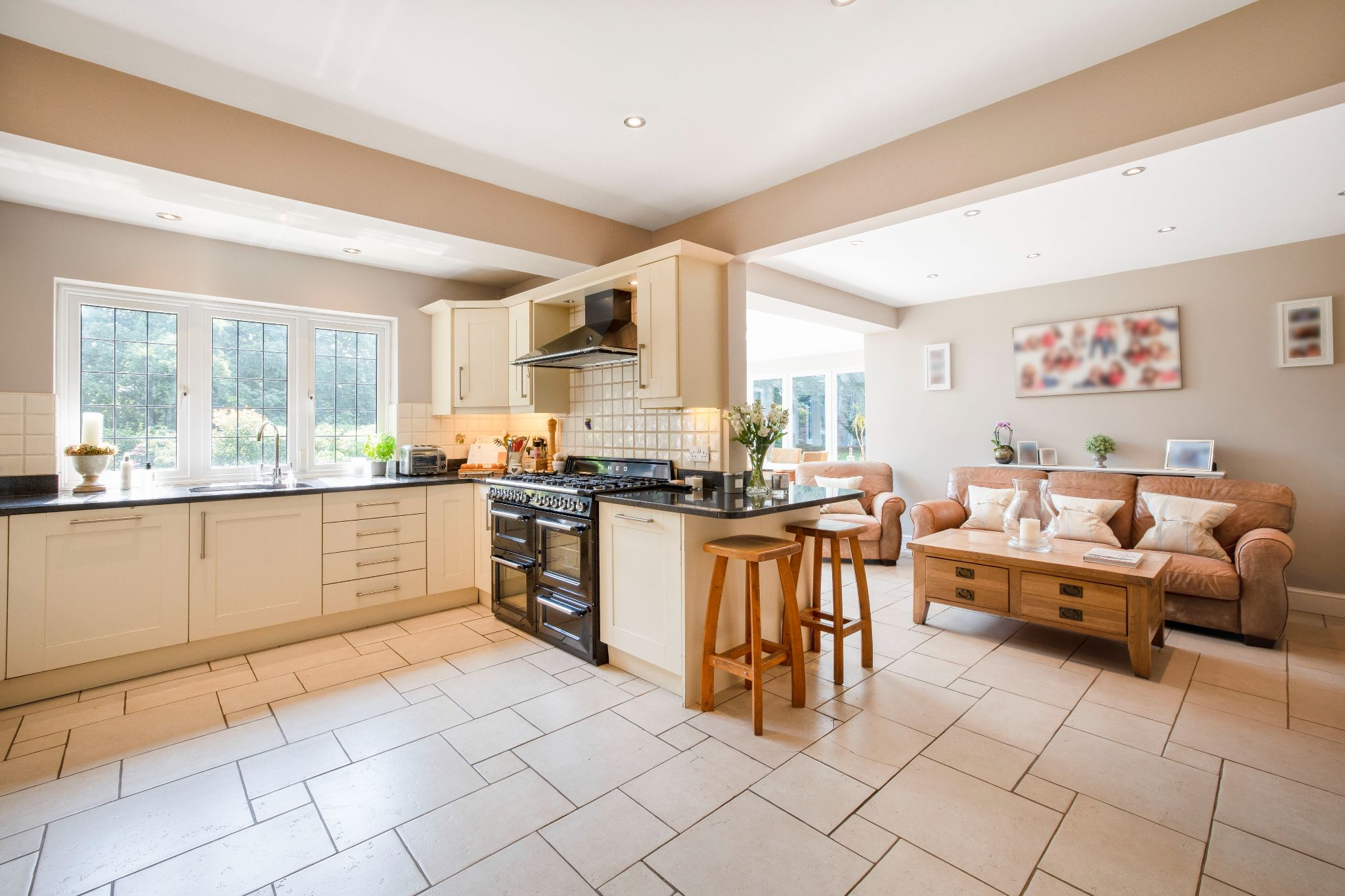 5 bedroom detached house Sale Agreed in Hertford - Photograph 34