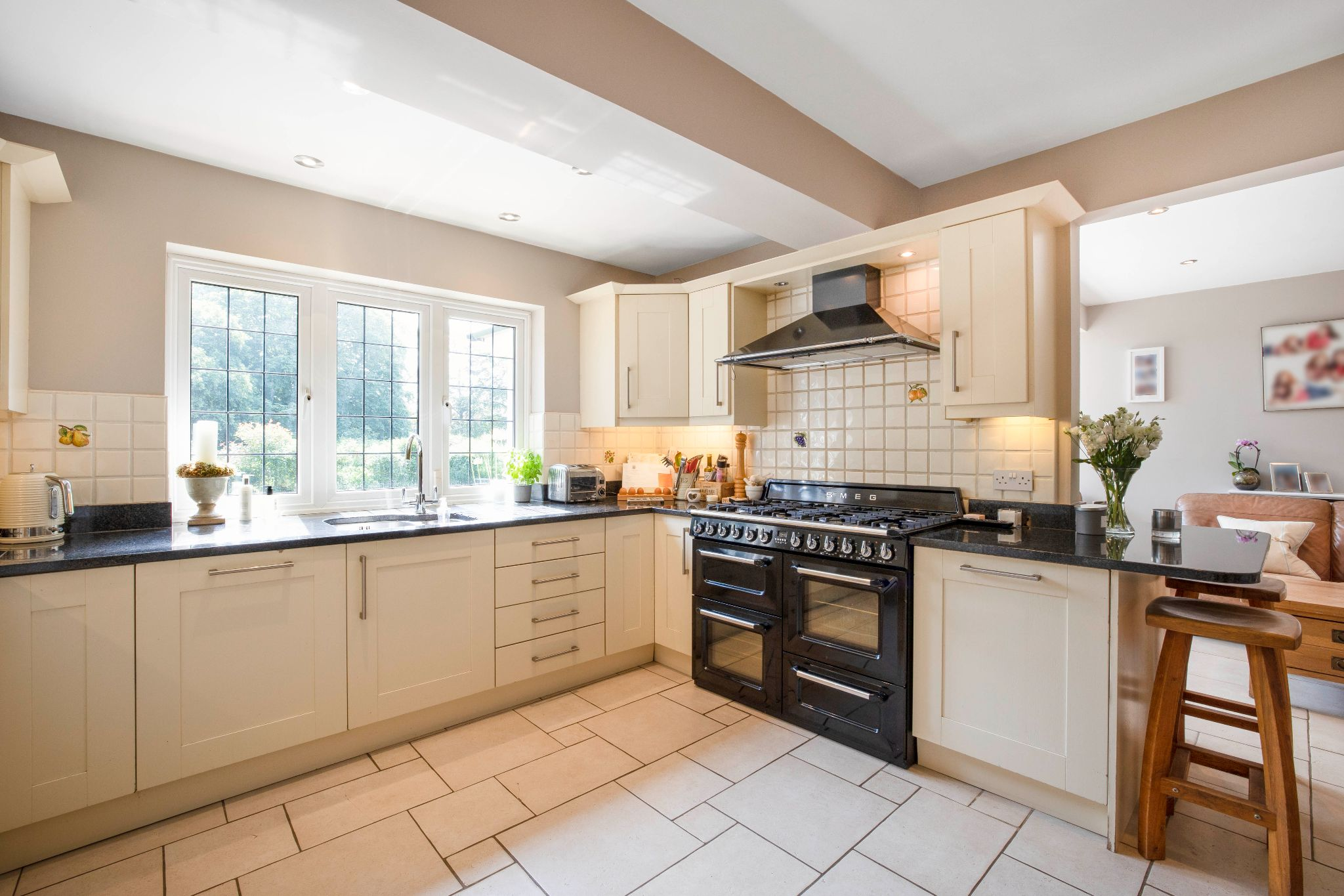 5 bedroom detached house Sale Agreed in Hertford - Photograph 30