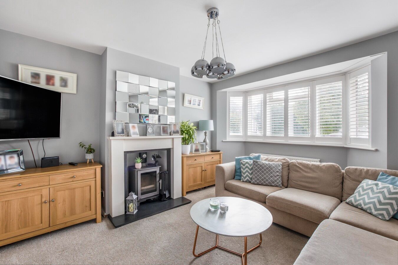 5 bedroom semi-detached house For Sale in Potters Bar - Property photograph