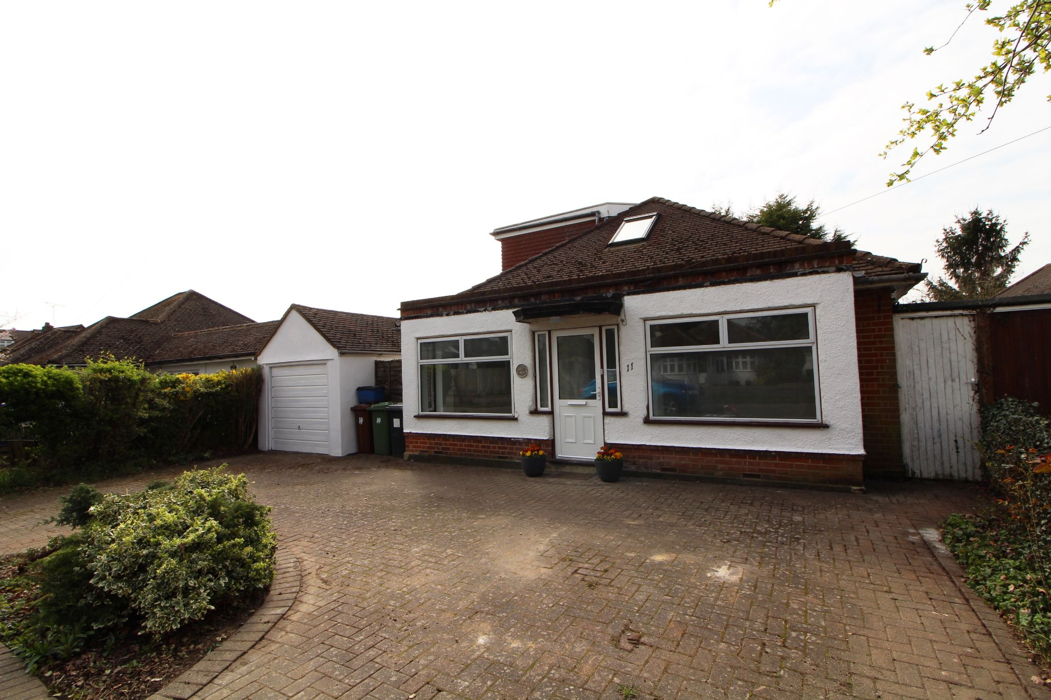 5 bedroom detached house Sale Agreed in Potters Bar - Property photograph