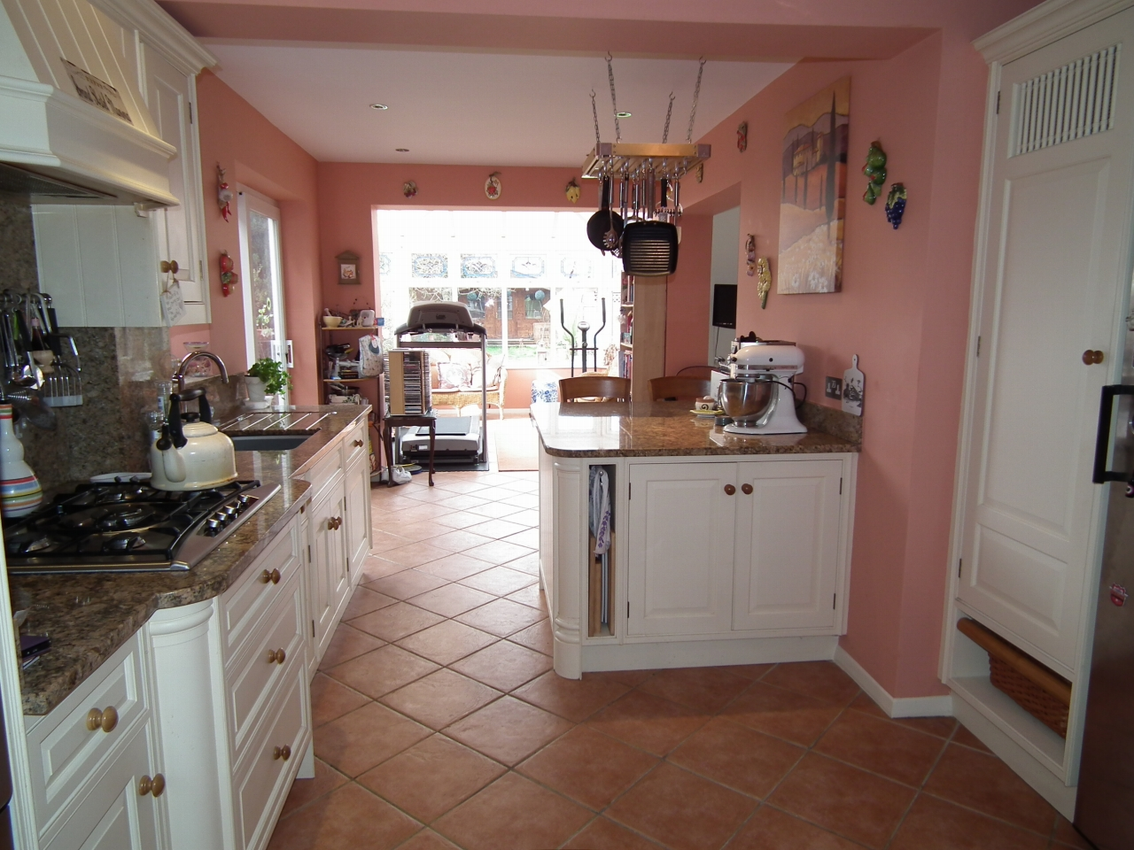 4 bedroom detached house For Sale in North Mymms - Property photograph