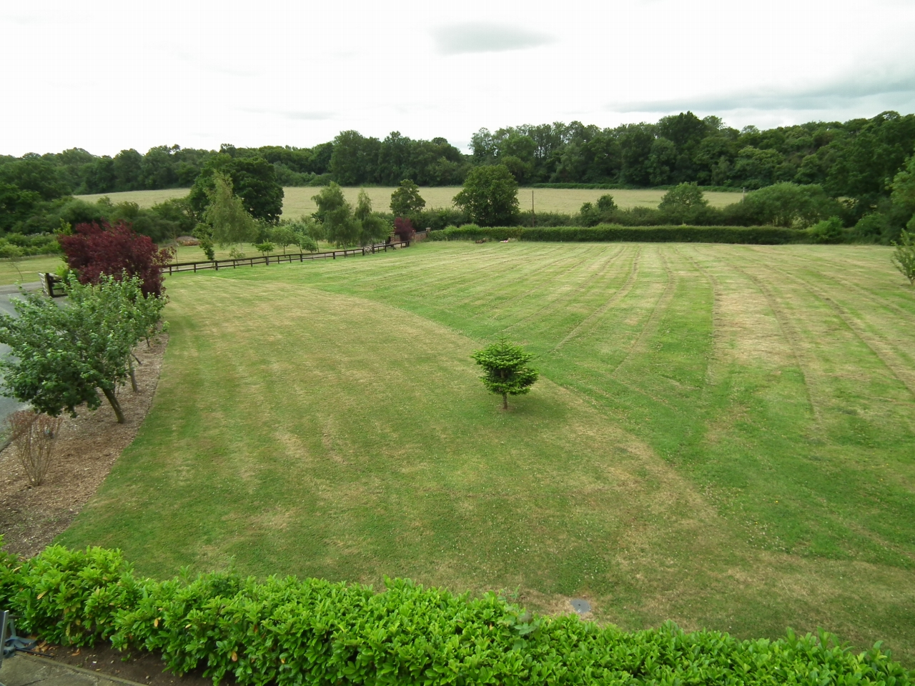 5 bedroom detached house SSTC in North Mymms - Photograph 26