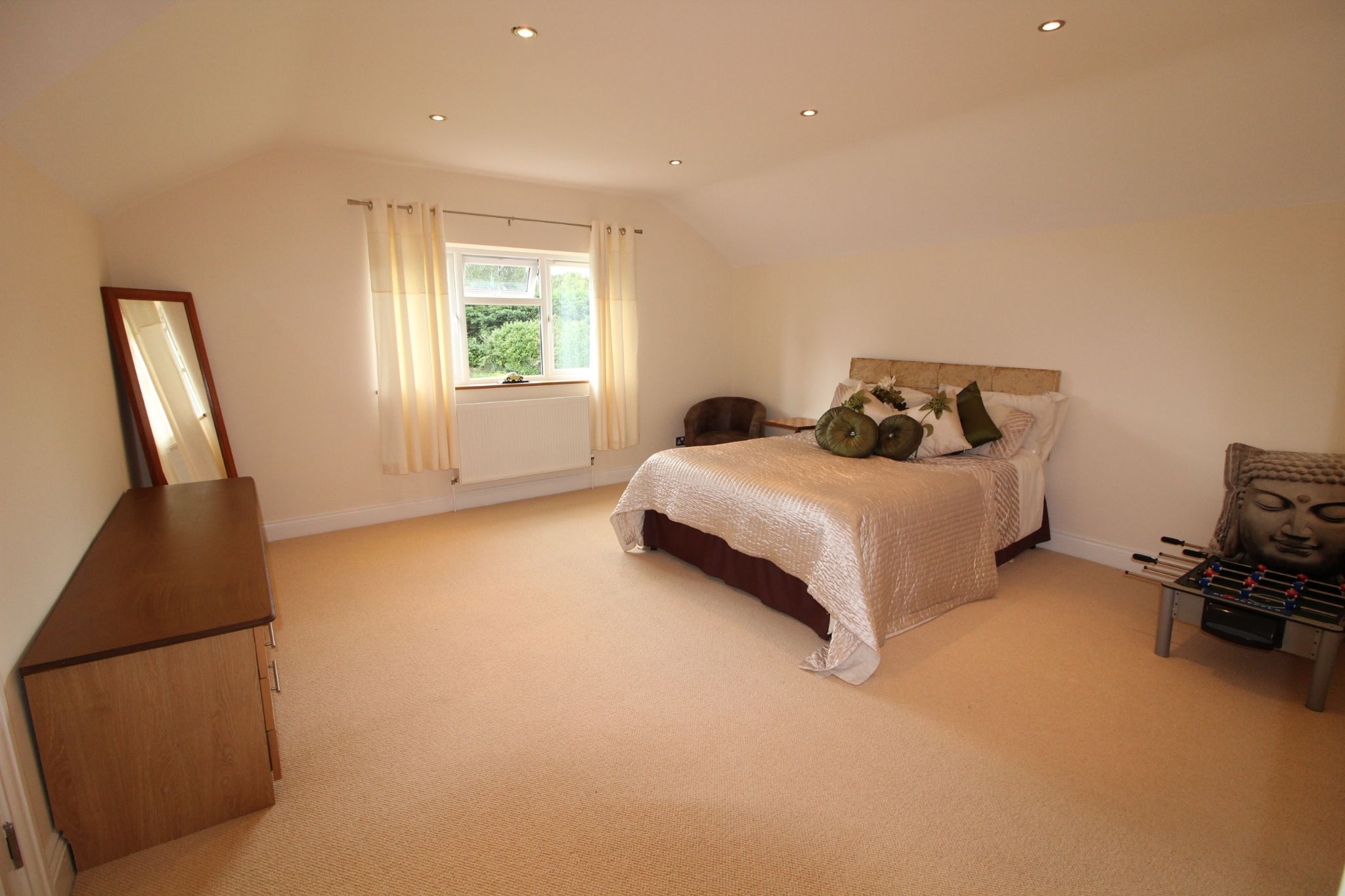 5 bedroom detached house SSTC in North Mymms - Photograph 20