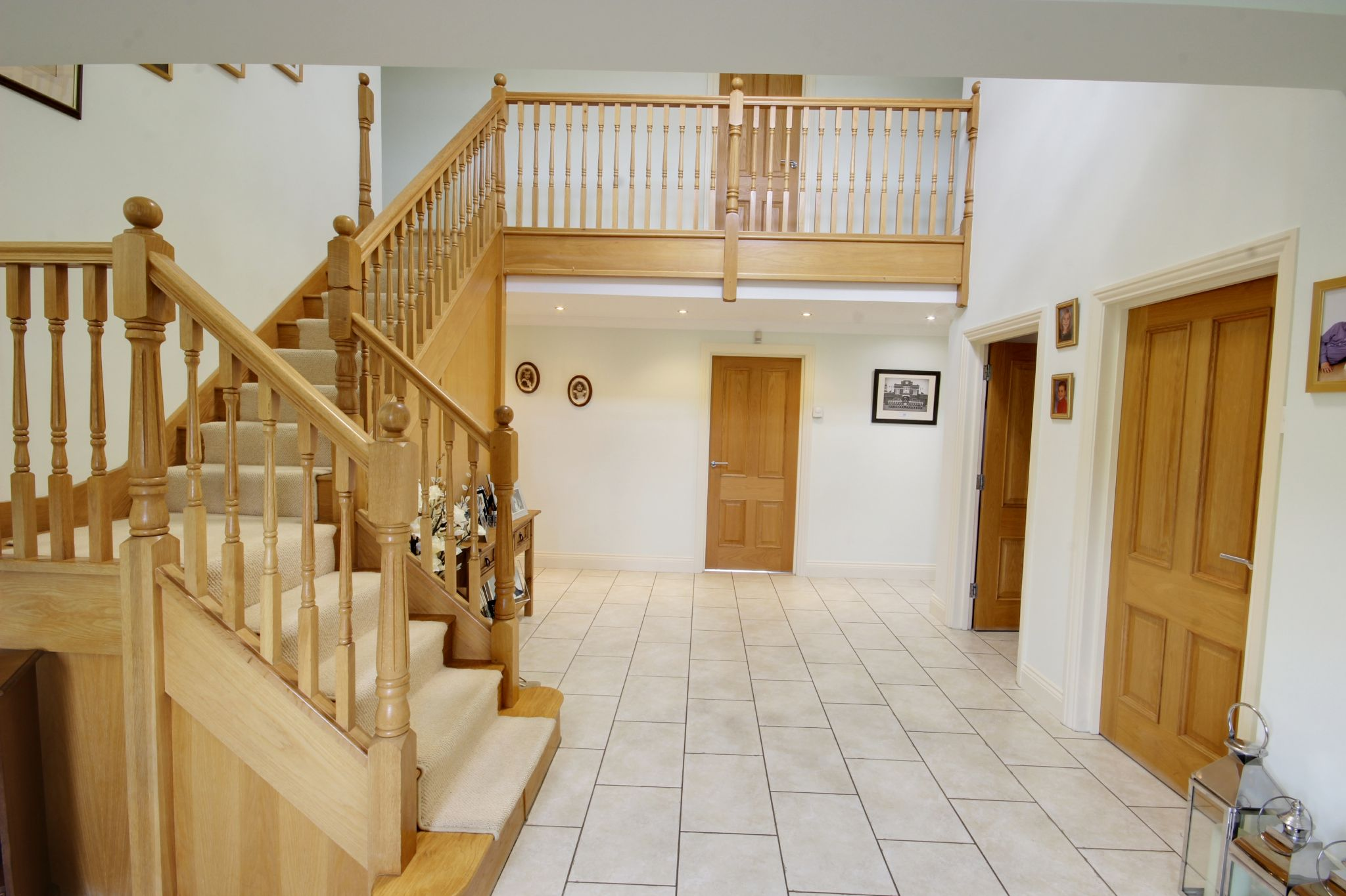 5 bedroom detached house SSTC in North Mymms - Photograph 7