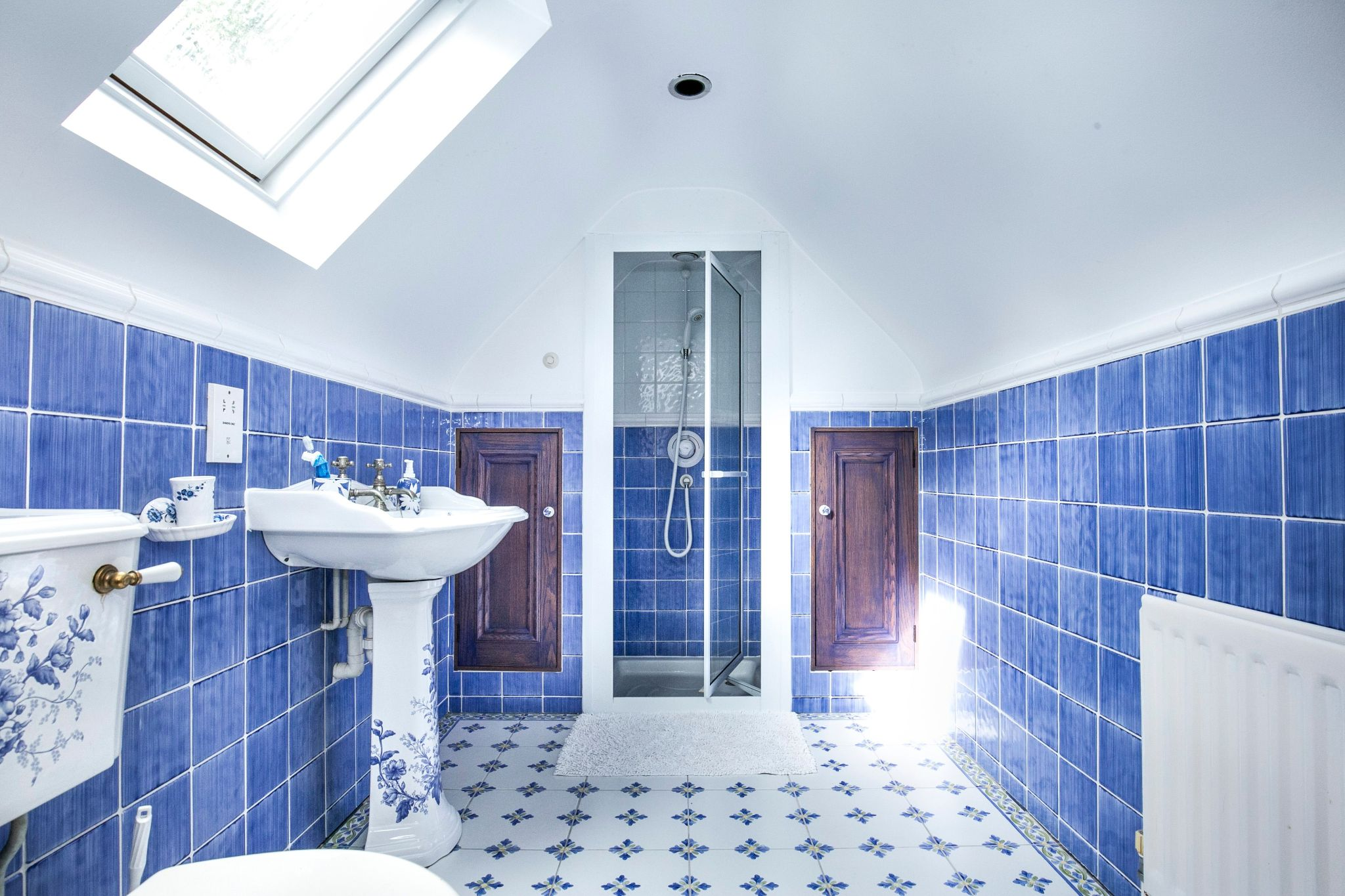 4 bedroom detached house For Sale in Brookmans Park - Photograph 20