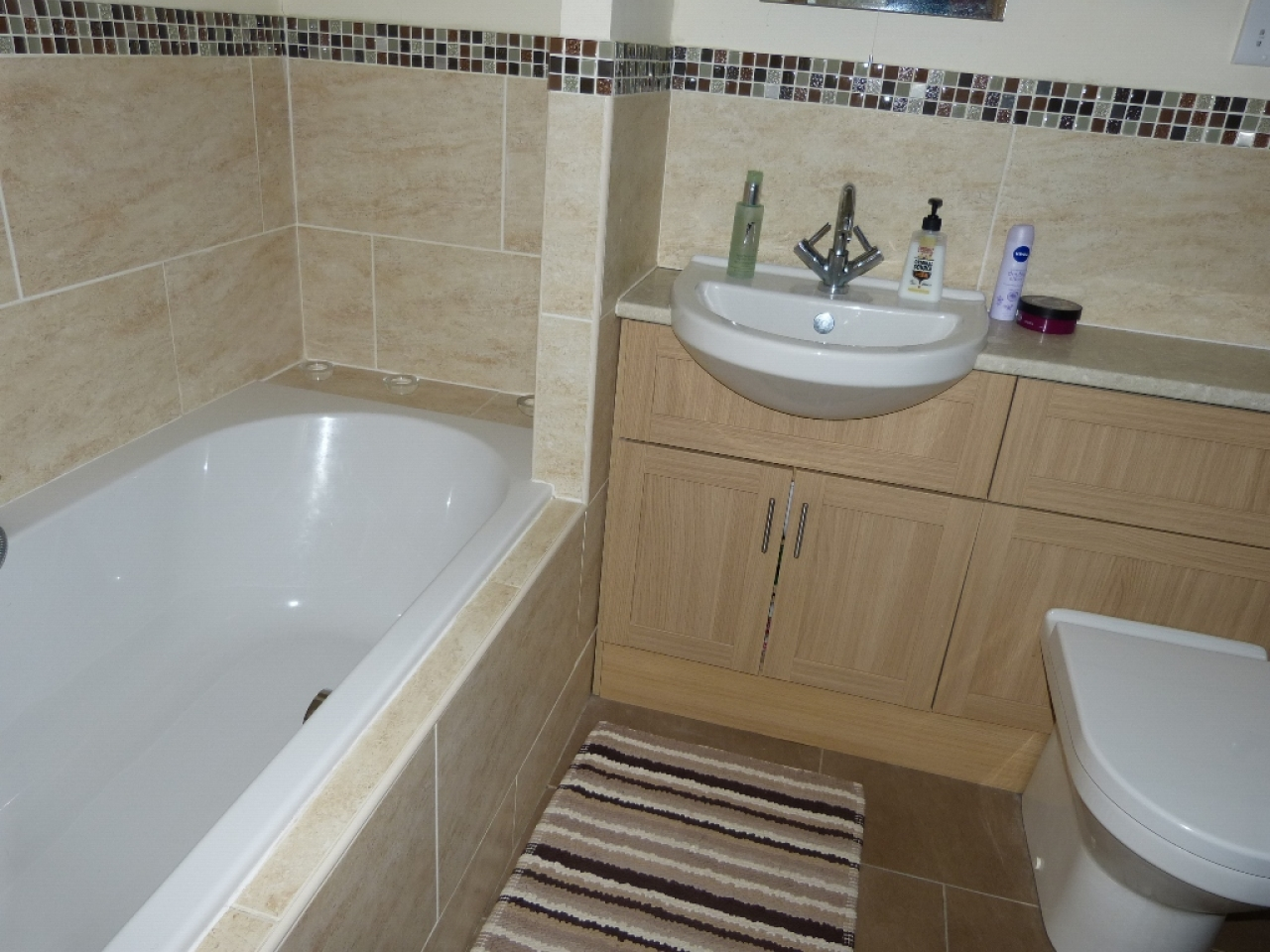 5 bedroom detached house SSTC in Abergele - Photograph 14