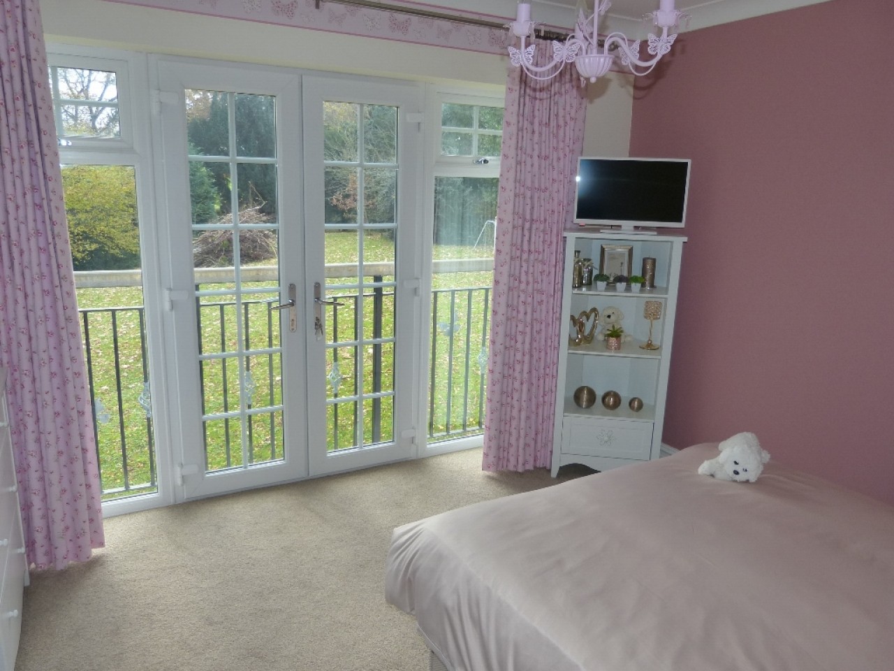 5 bedroom detached house SSTC in Abergele - Photograph 18