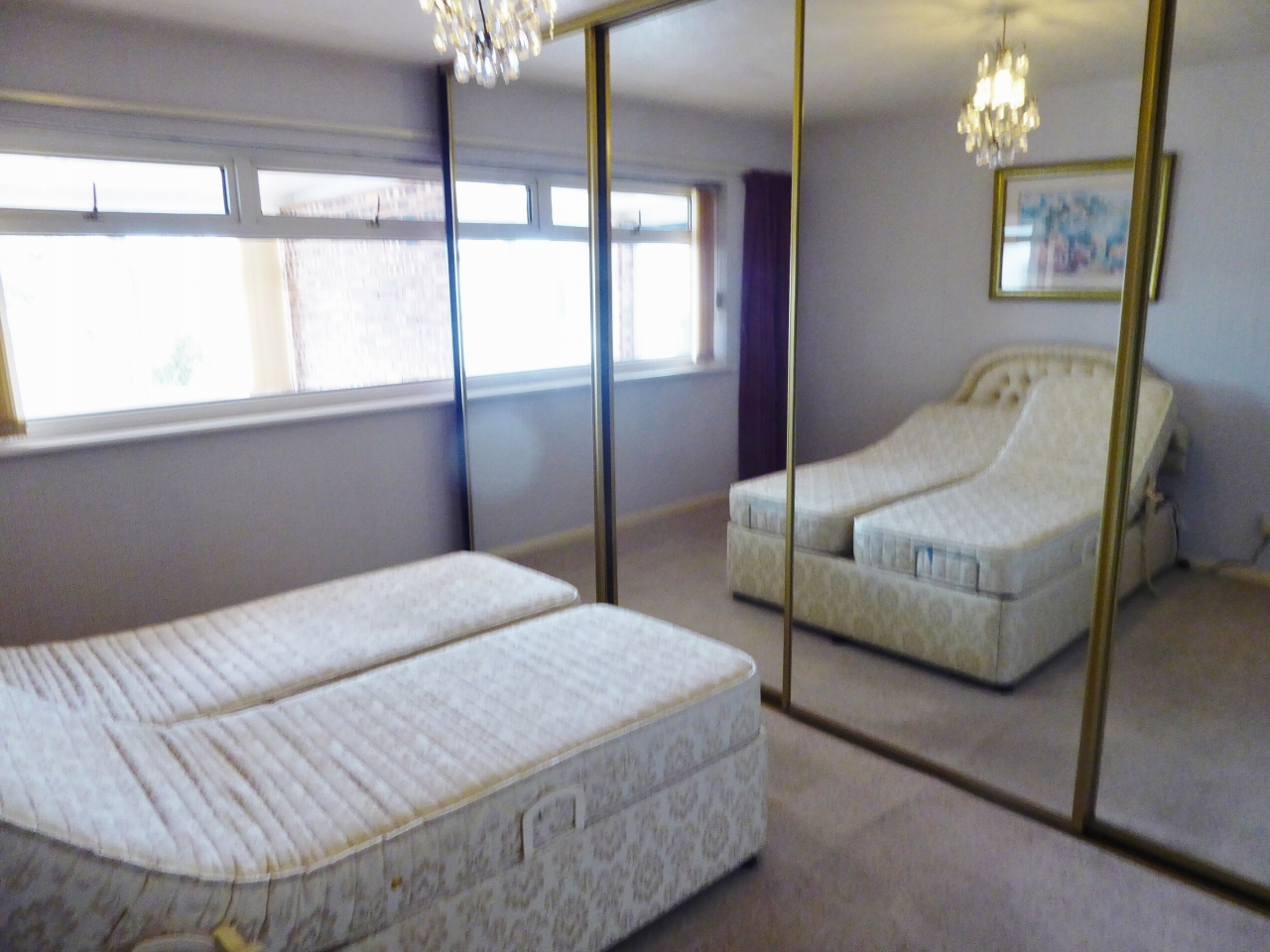 2 bedroom detached bungalow SSTC in Abergele - Photograph 9