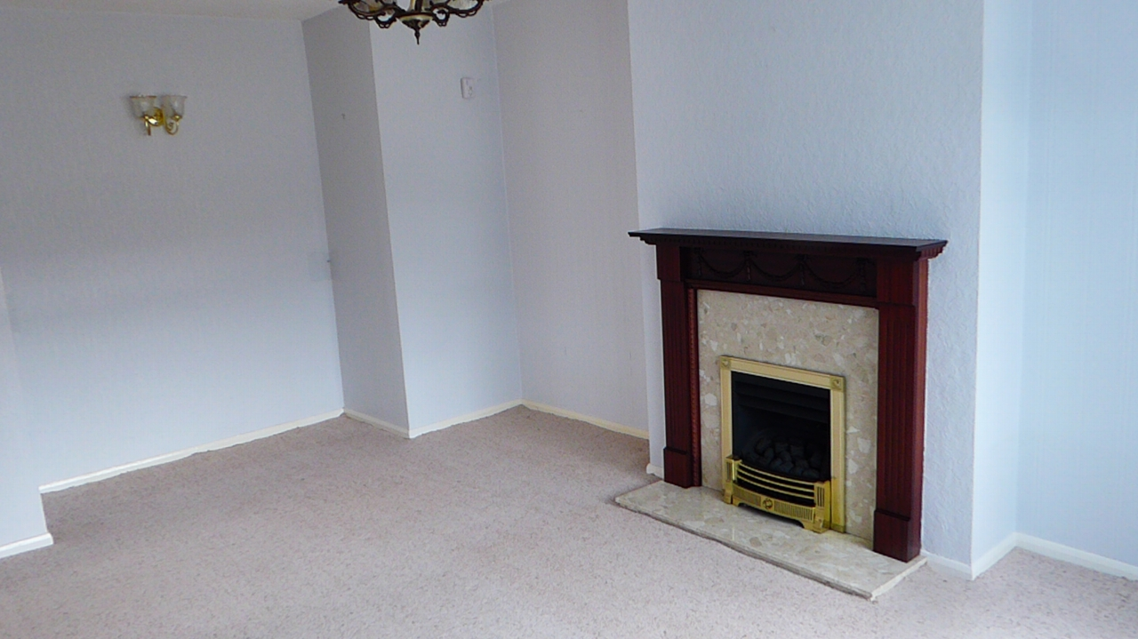 2 bedroom detached bungalow For Sale in Abergele - Photograph 17