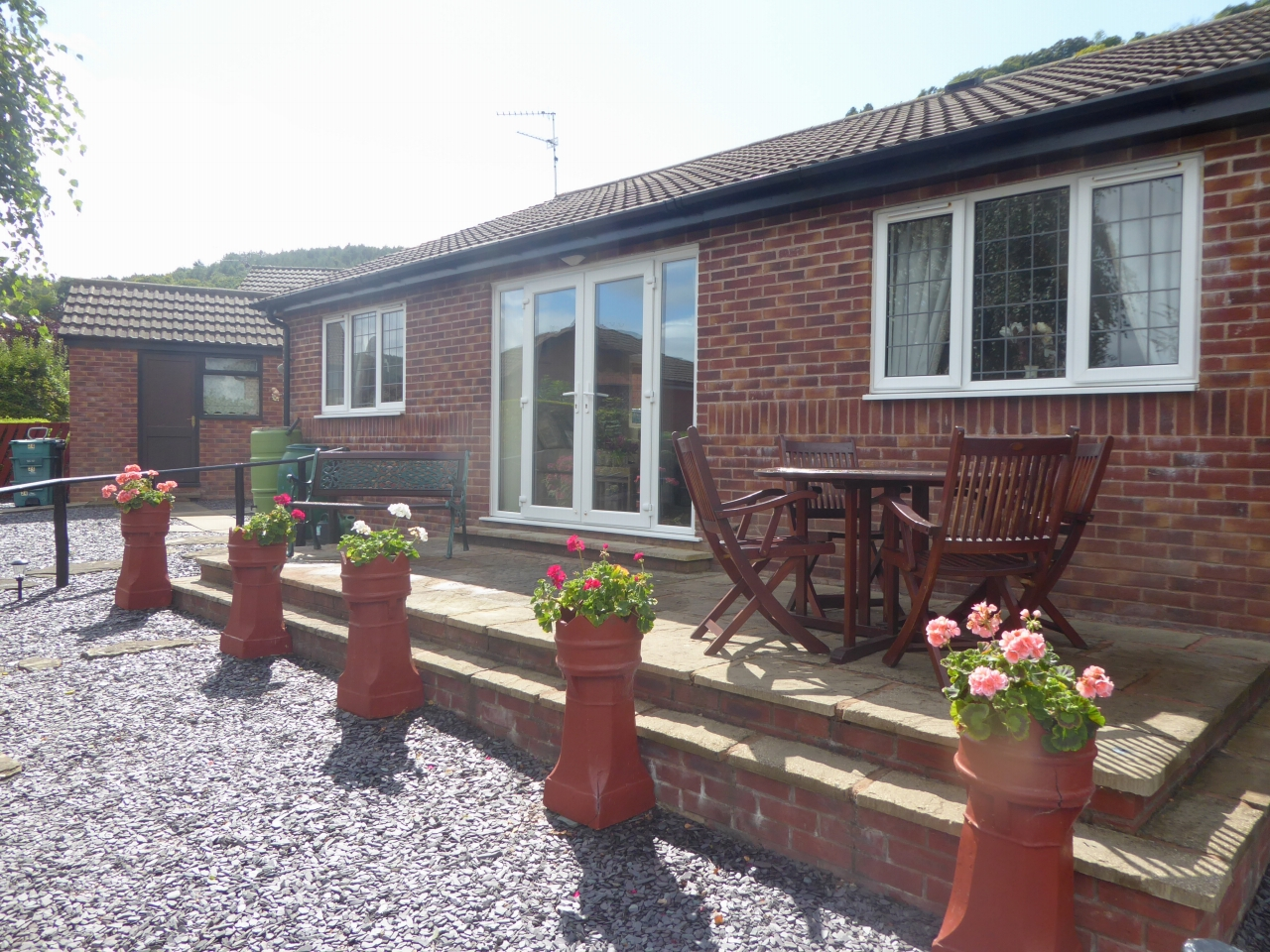 3 bedroom detached bungalow SSTC in Abergele - Photograph 13