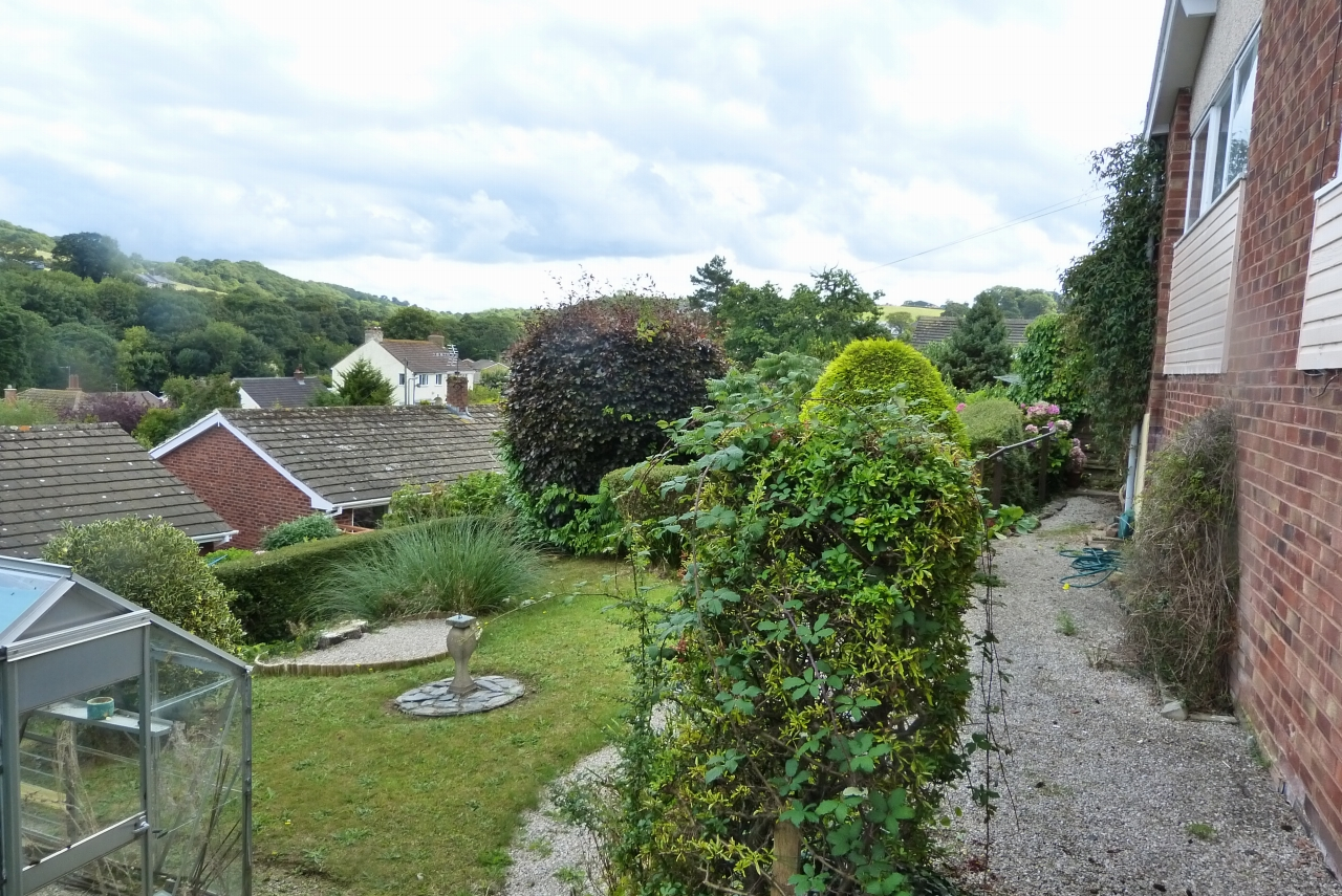 2 bedroom detached bungalow SSTC in Colwyn Bay - Photograph 9