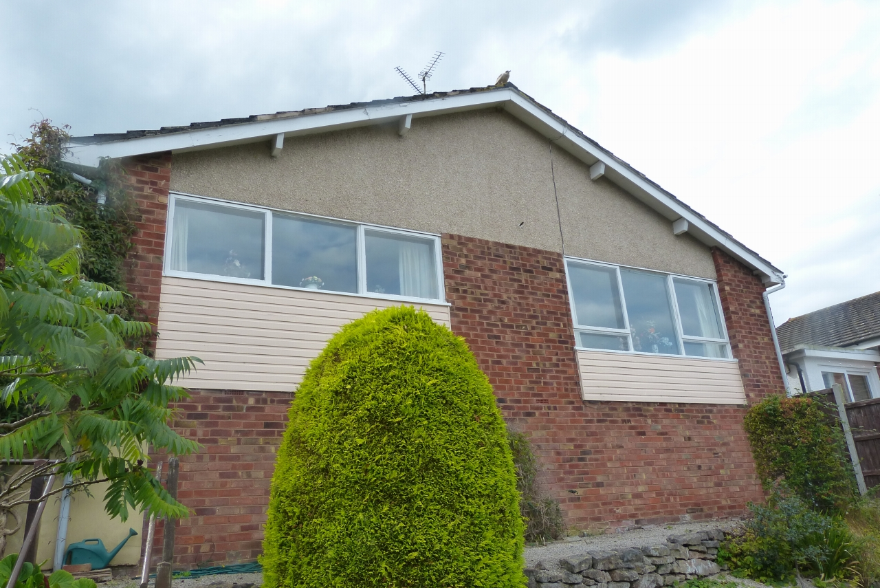 2 bedroom detached bungalow SSTC in Colwyn Bay - Photograph 10