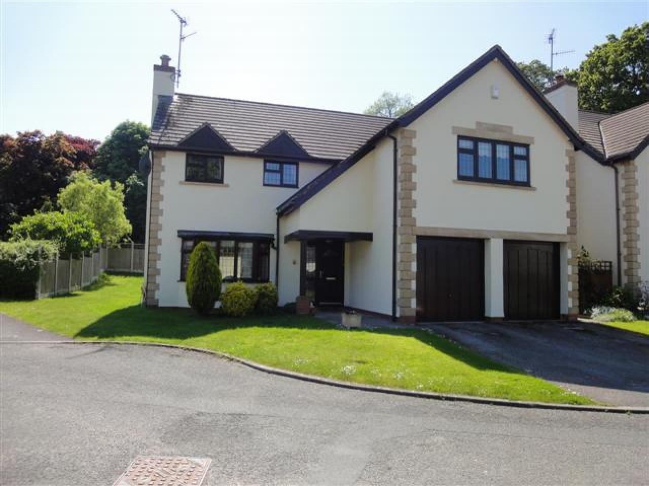 5 bedroom detached house For Sale in Abergele - Photograph 1