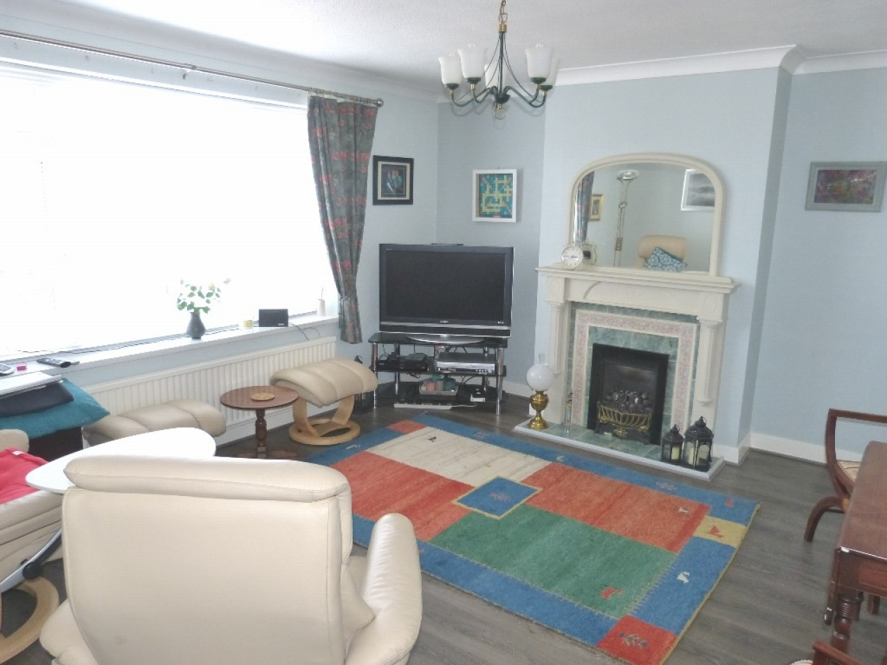 4 bedroom detached bungalow SSTC in Abergele - Photograph 2