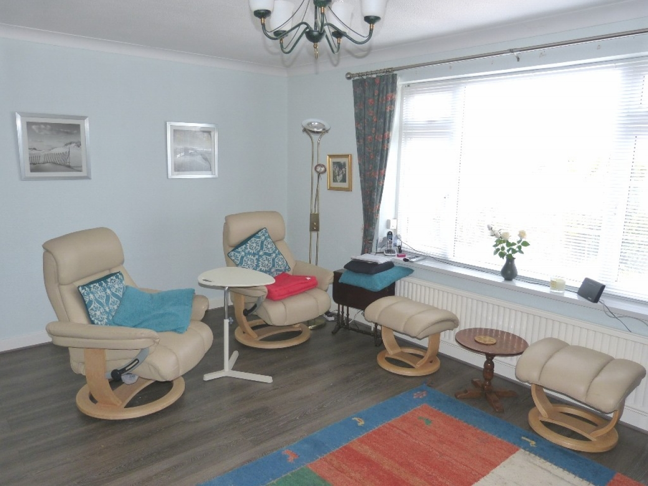 4 bedroom detached bungalow SSTC in Abergele - Photograph 3