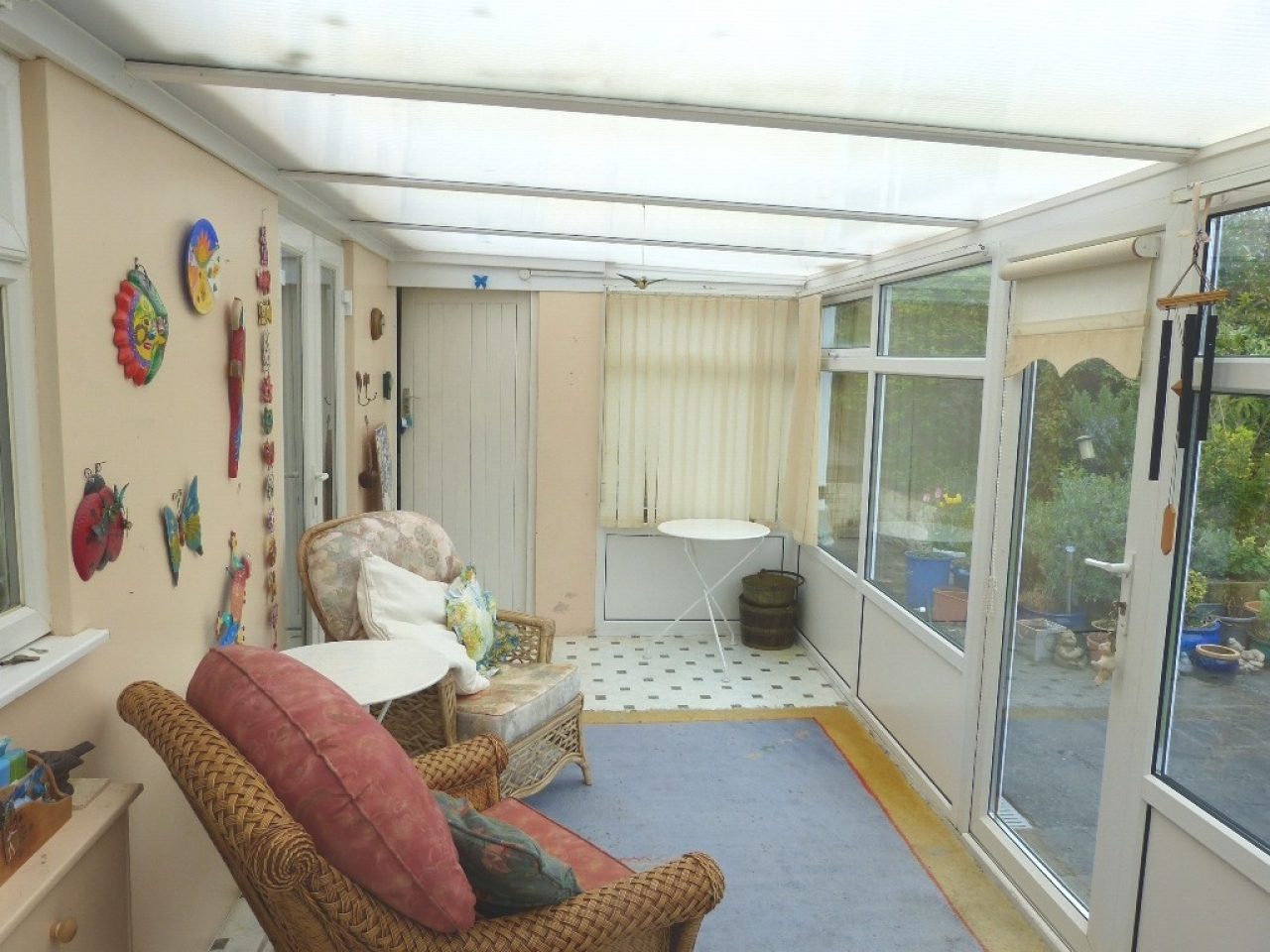 4 bedroom detached bungalow SSTC in Abergele - Photograph 6
