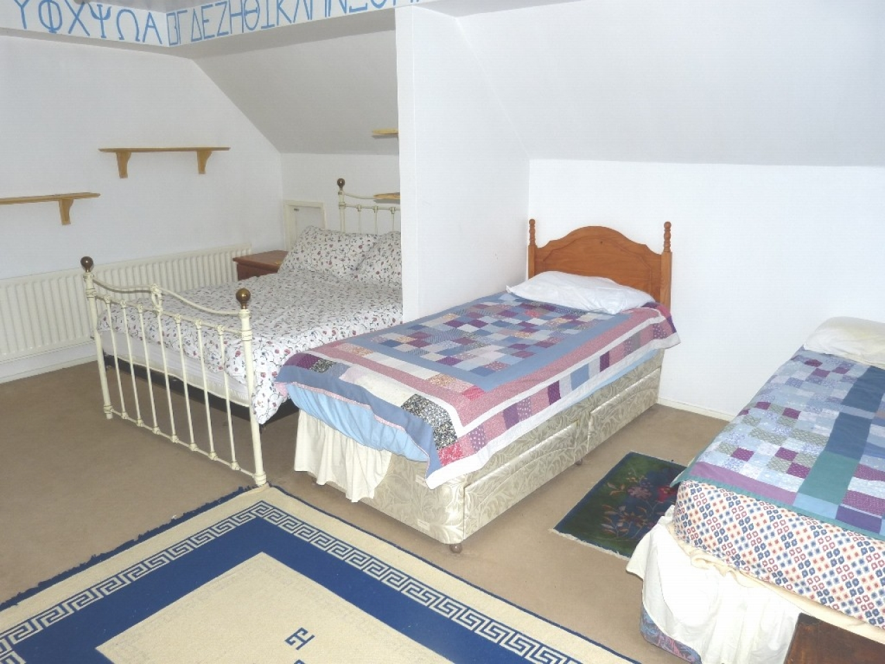 4 bedroom detached bungalow SSTC in Abergele - Photograph 10