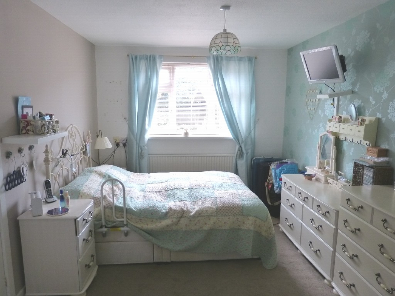 4 bedroom detached bungalow SSTC in Abergele - Photograph 11