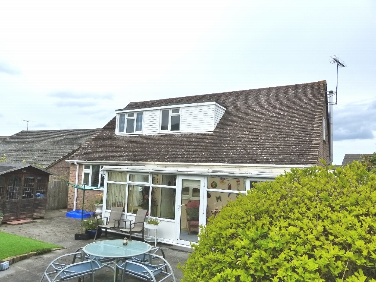 4 bedroom detached bungalow SSTC in Abergele - Photograph 13