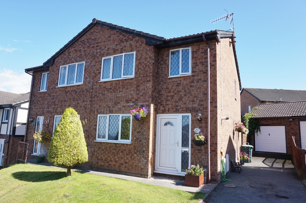 3 bedroom semi-detached house SSTC in Abergele - Photograph 1