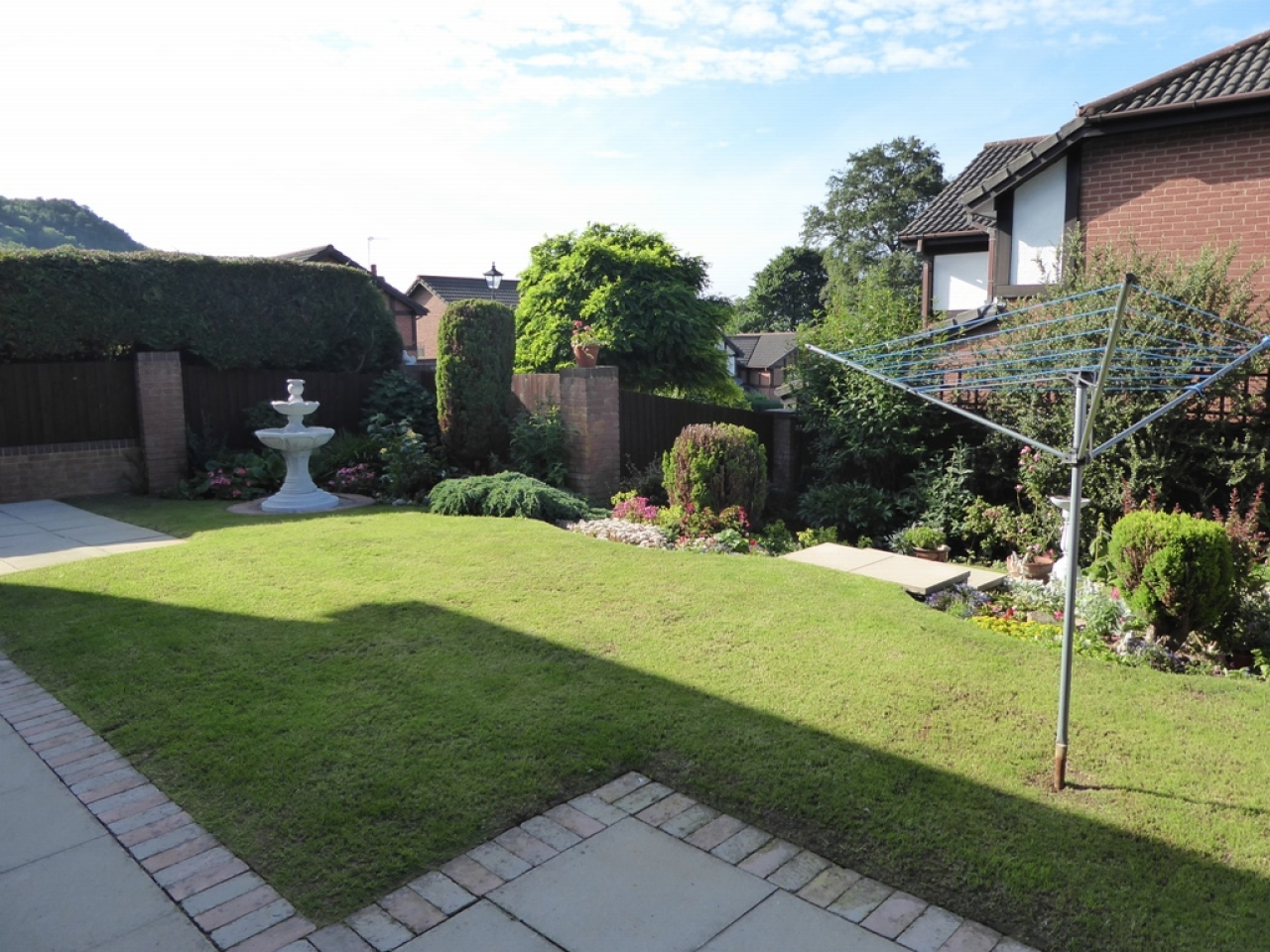 5 bedroom detached house For Sale in Abergele - Property photograph