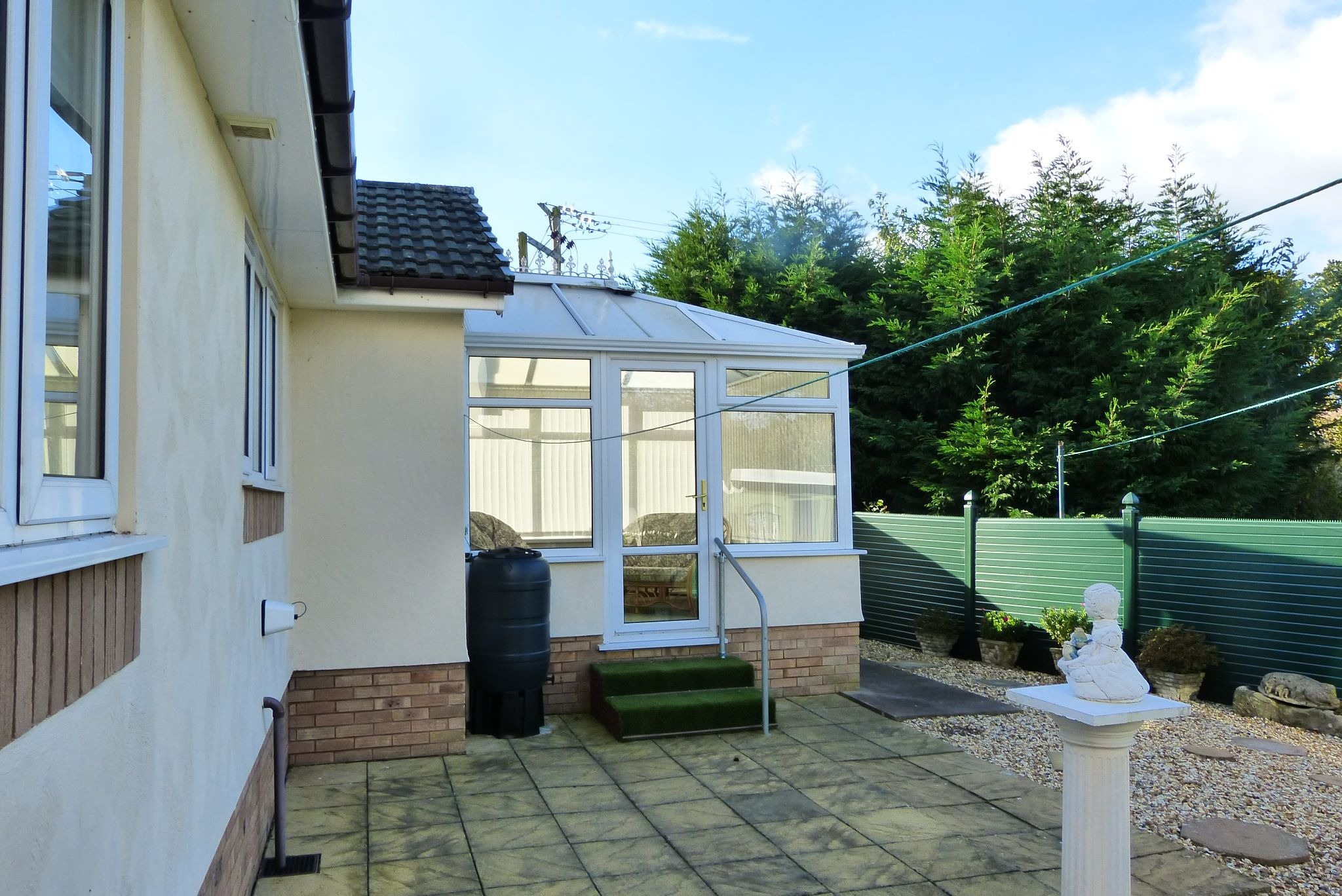 2 bedroom detached bungalow For Sale in Abergele - Photograph 11