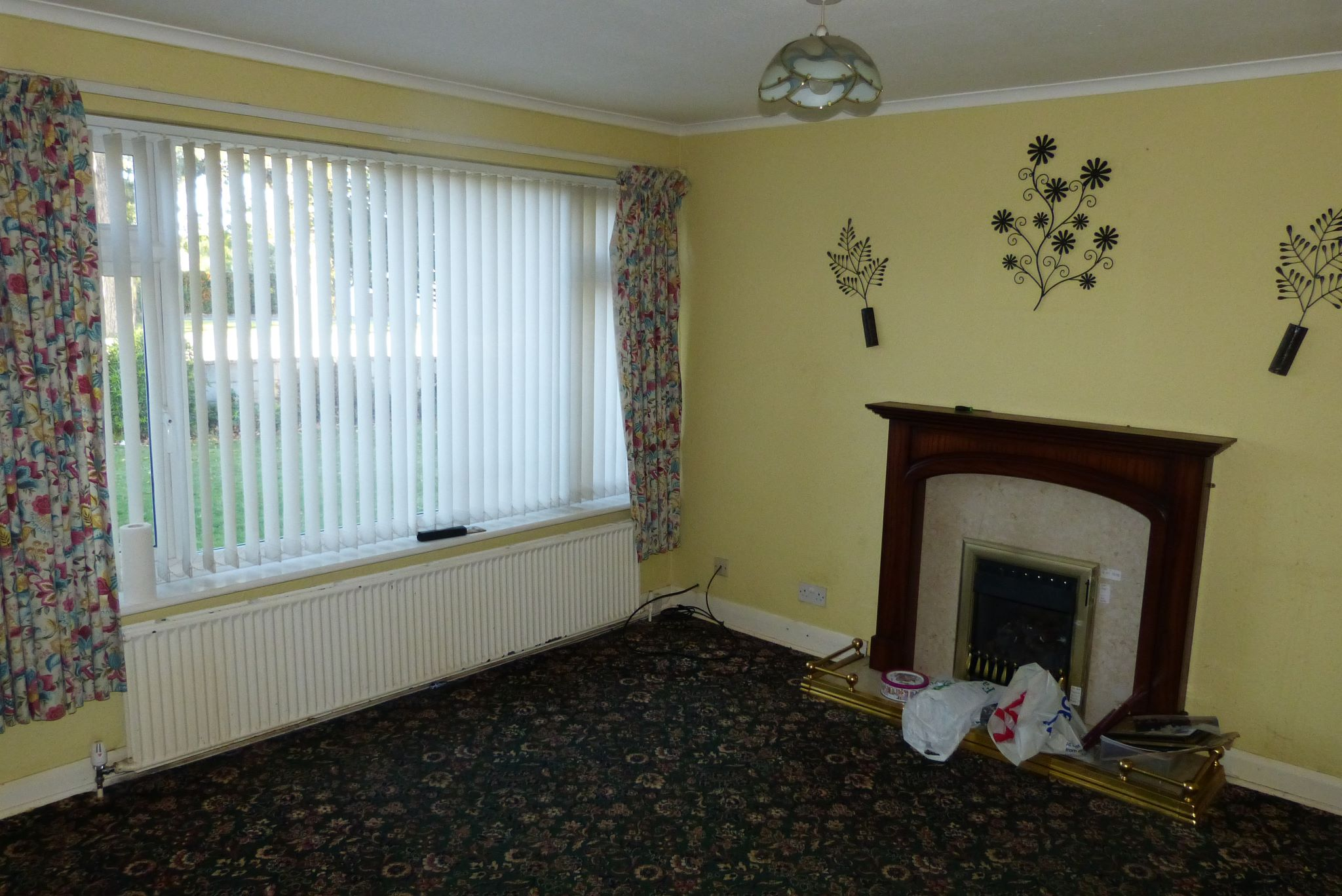 3 bedroom detached house SSTC in Abergele - Photograph 2