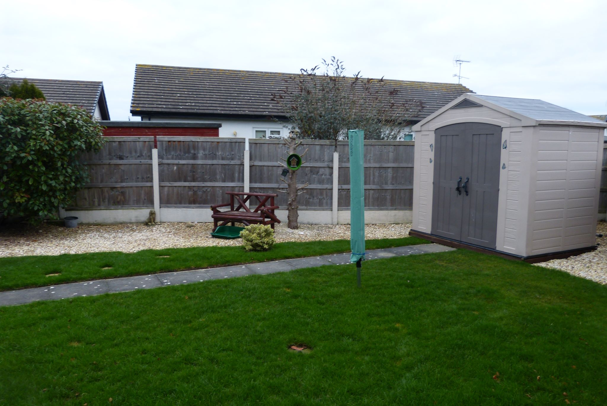 2 bedroom detached bungalow For Sale in Abergele - Photograph 12