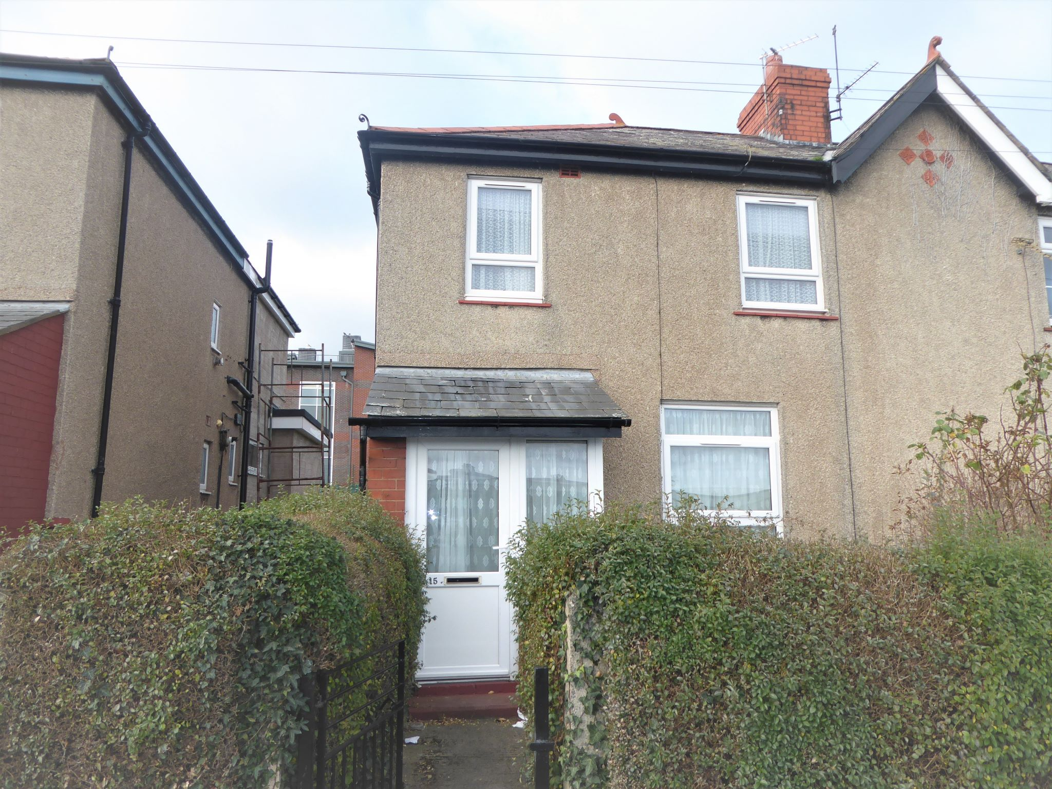 3 bedroom end terraced house SSTC in Abergele - Photograph 1