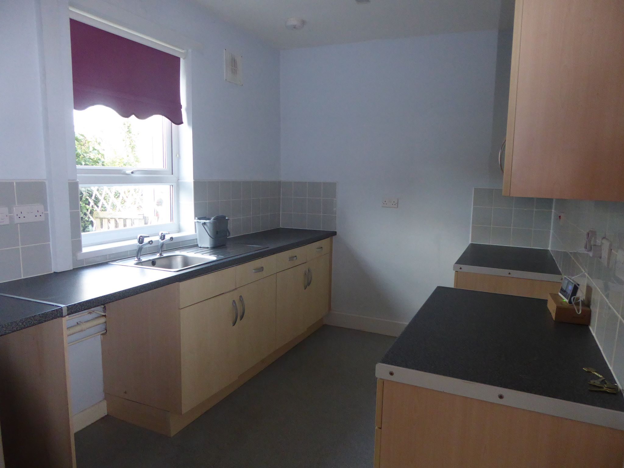 3 bedroom end terraced house SSTC in Abergele - Photograph 2