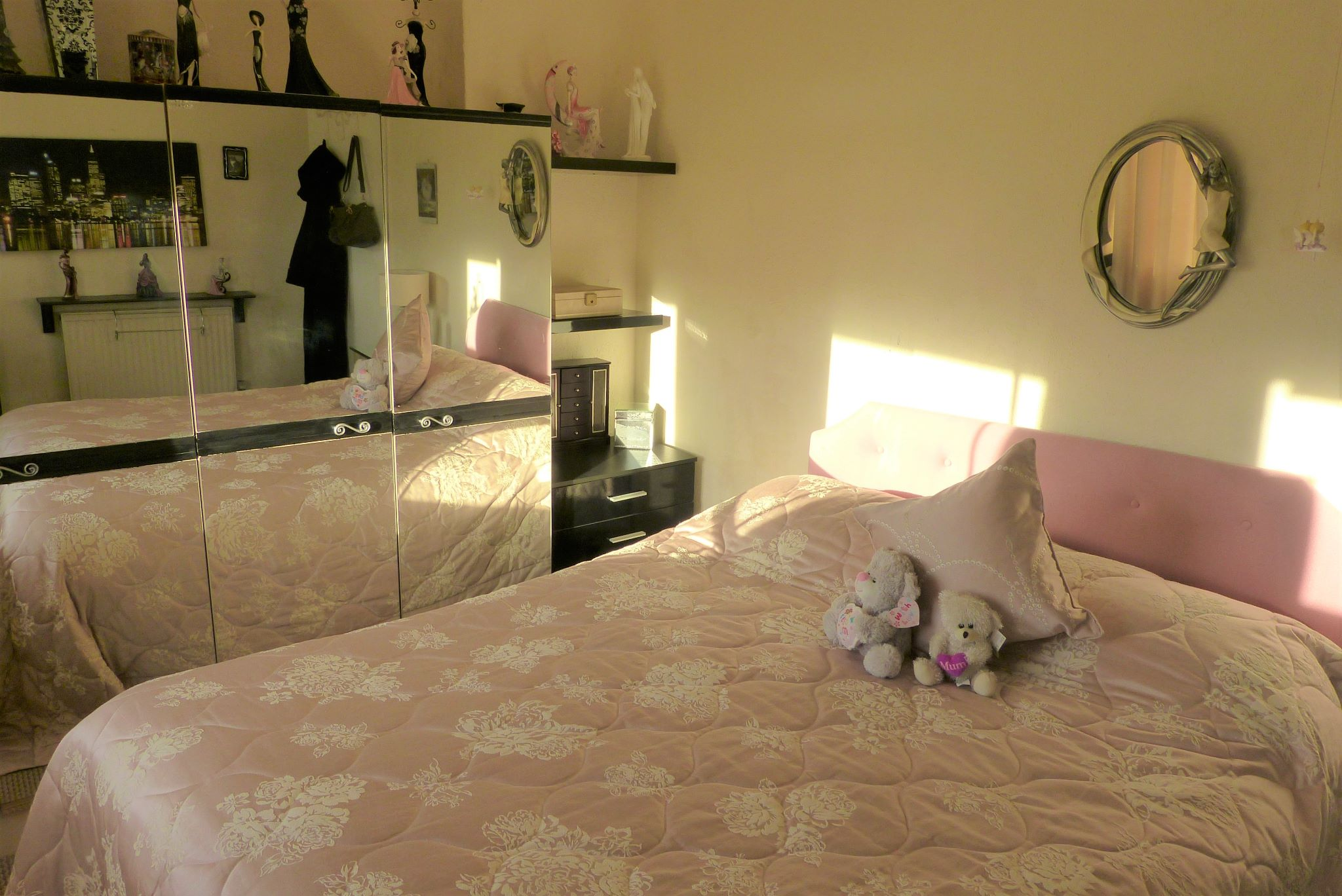 3 bedroom semi-detached house For Sale in Abergele - Photograph 6