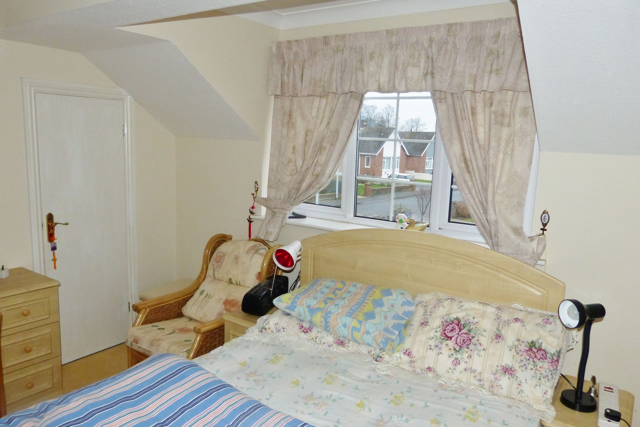 4 bedroom detached house For Sale in Abergele - Photograph 15