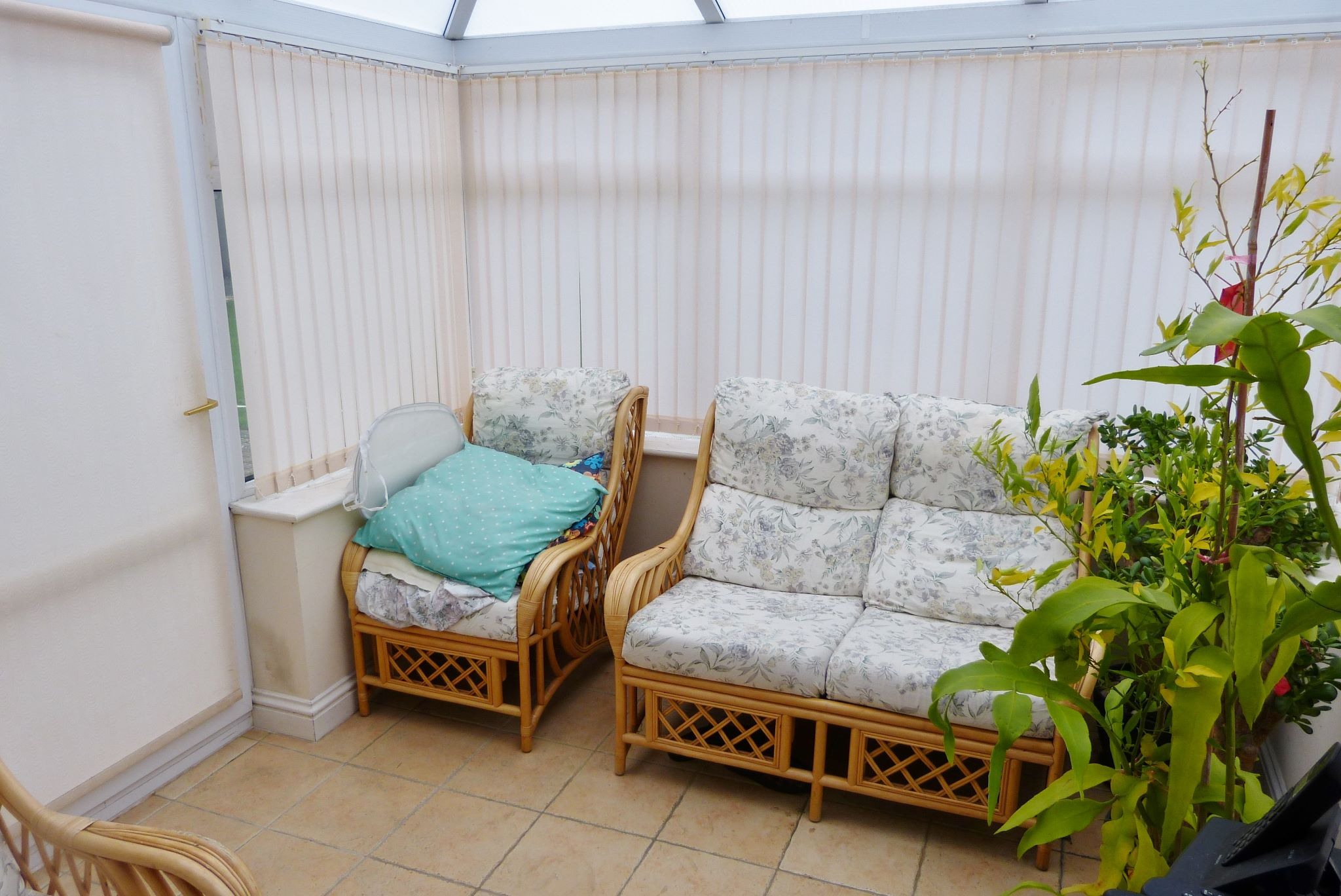 4 bedroom detached house For Sale in Abergele - Photograph 7