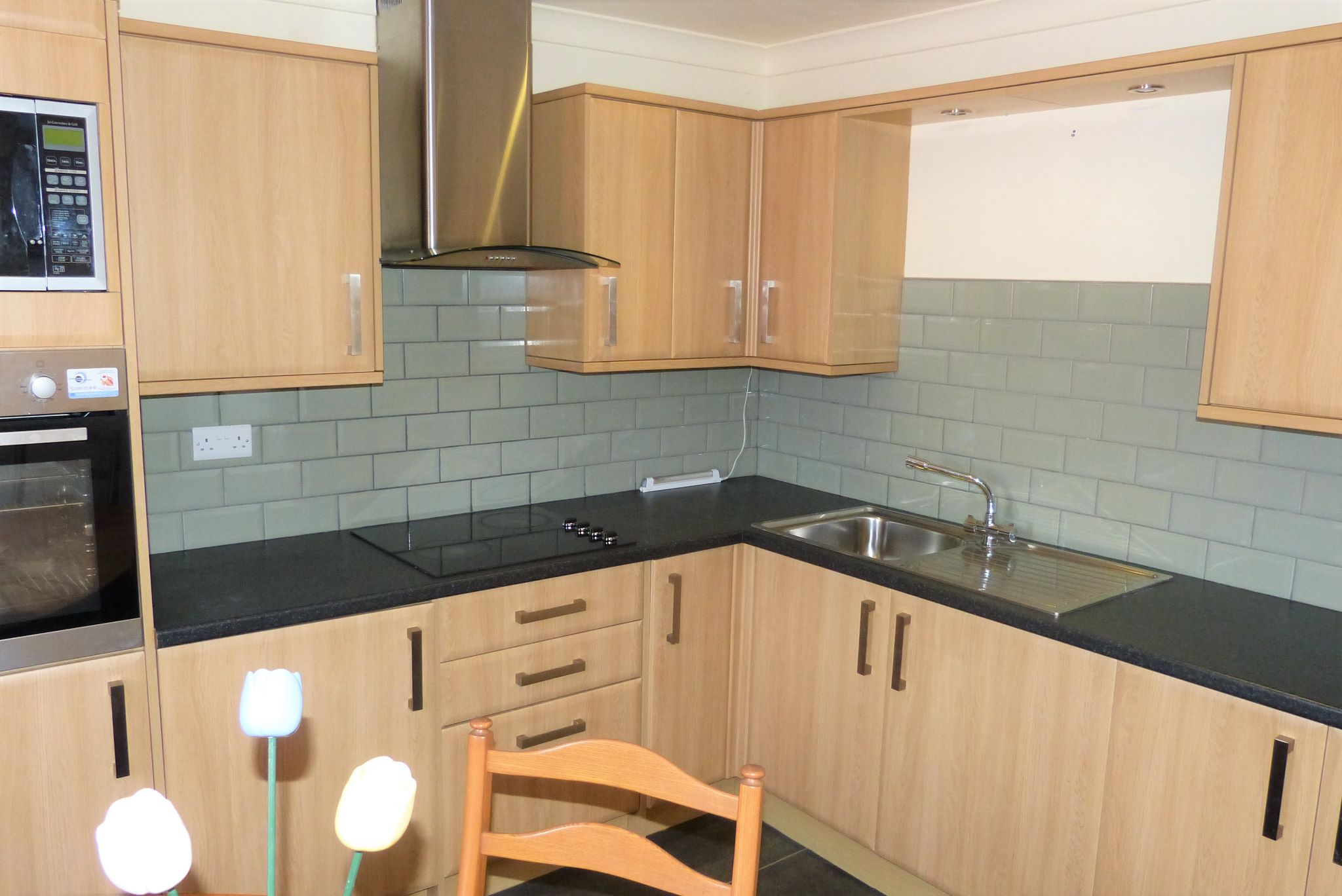 1 bedroom detached bungalow For Sale in Rhyl - Photograph 3