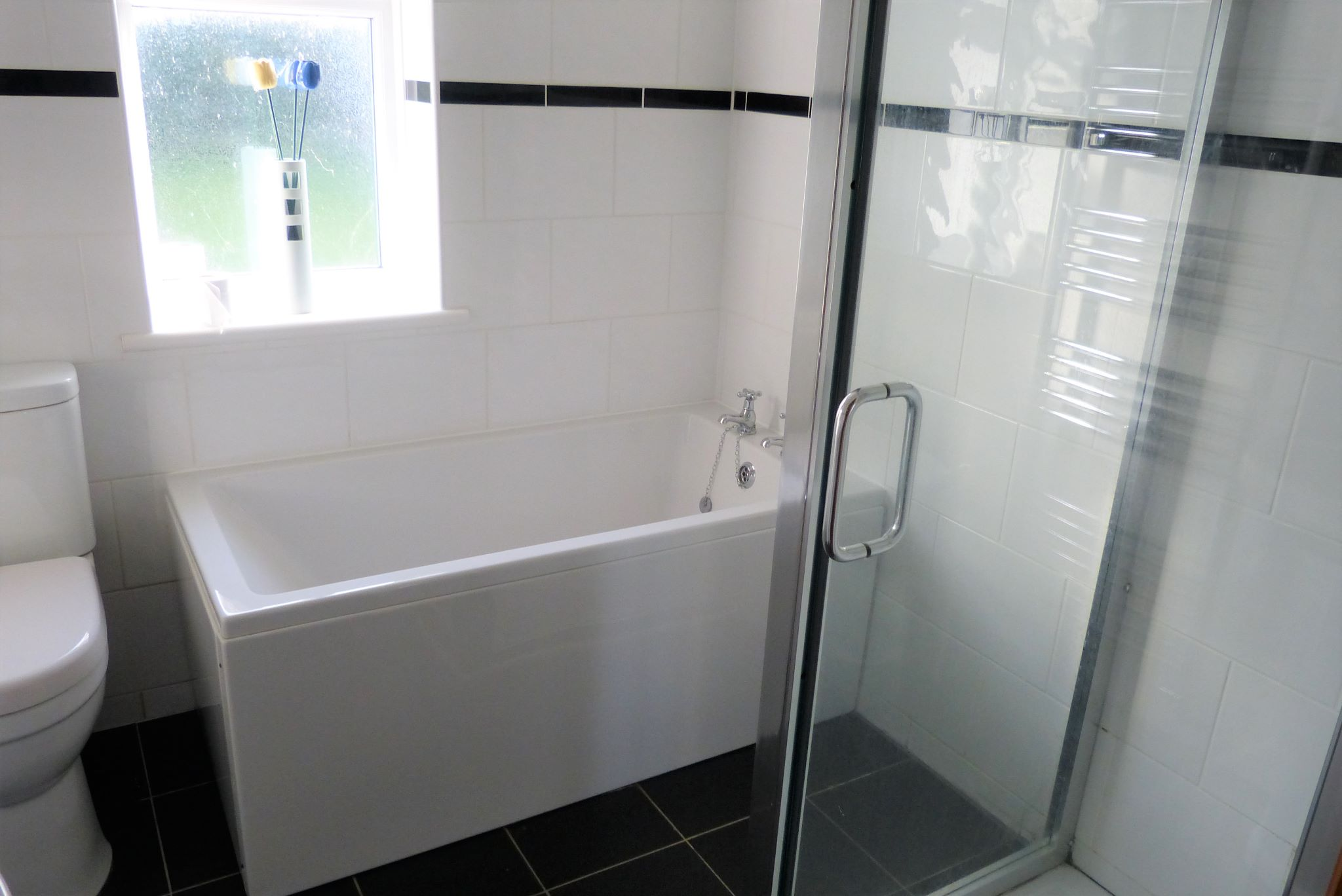 1 bedroom detached bungalow For Sale in Rhyl - Photograph 8