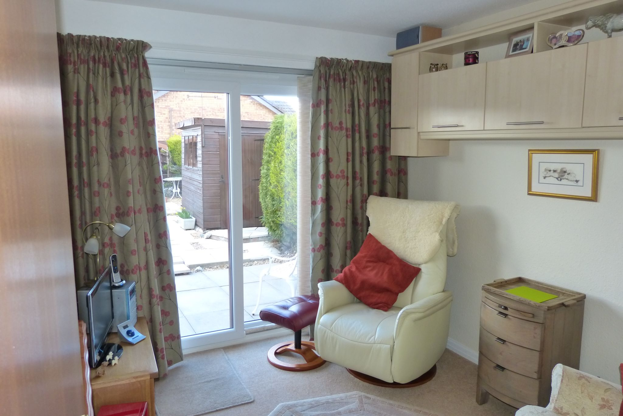 2 bedroom detached bungalow SSTC in Pensarn,  Abergele - Photograph 6