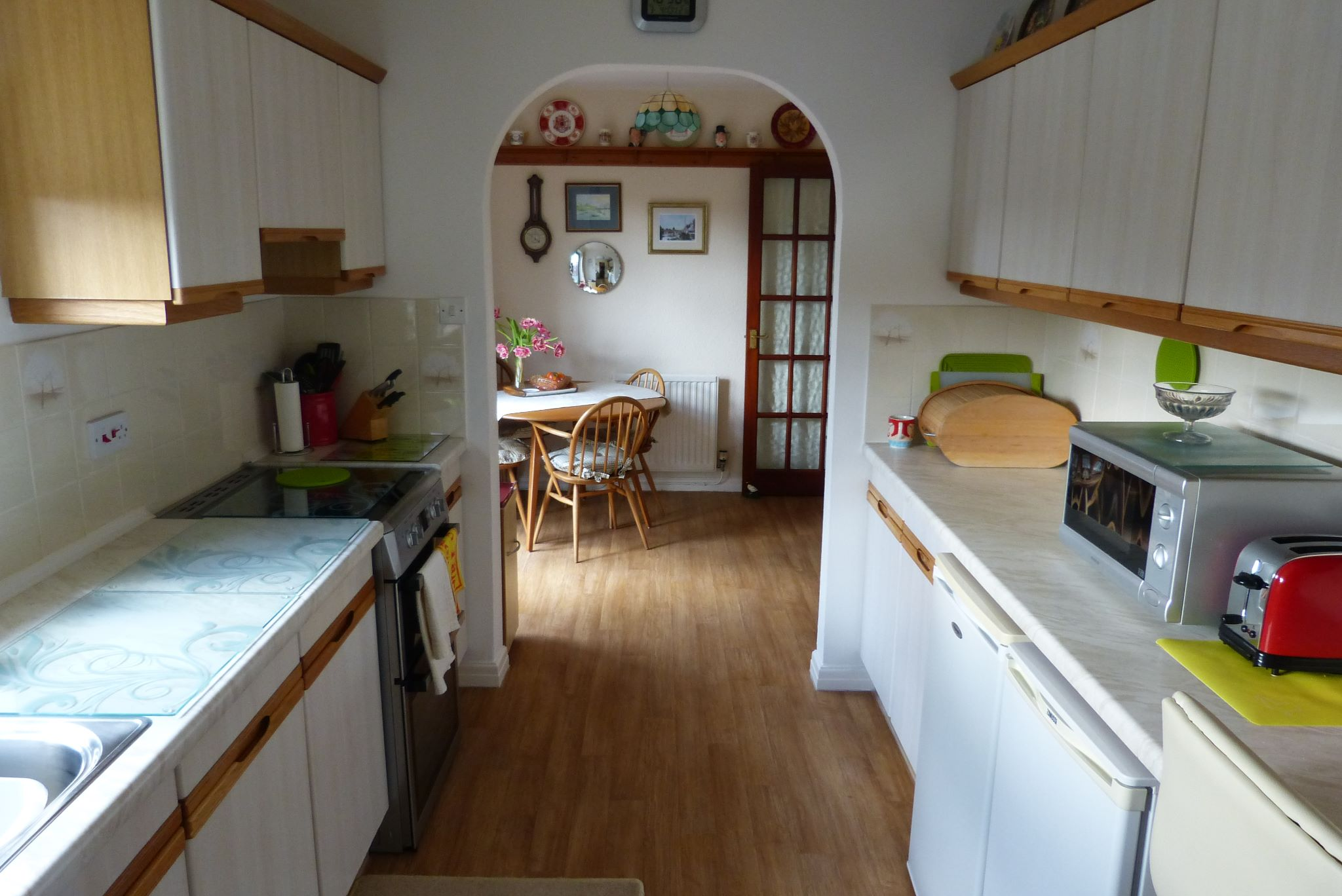 2 bedroom detached bungalow SSTC in Pensarn,  Abergele - Photograph 5